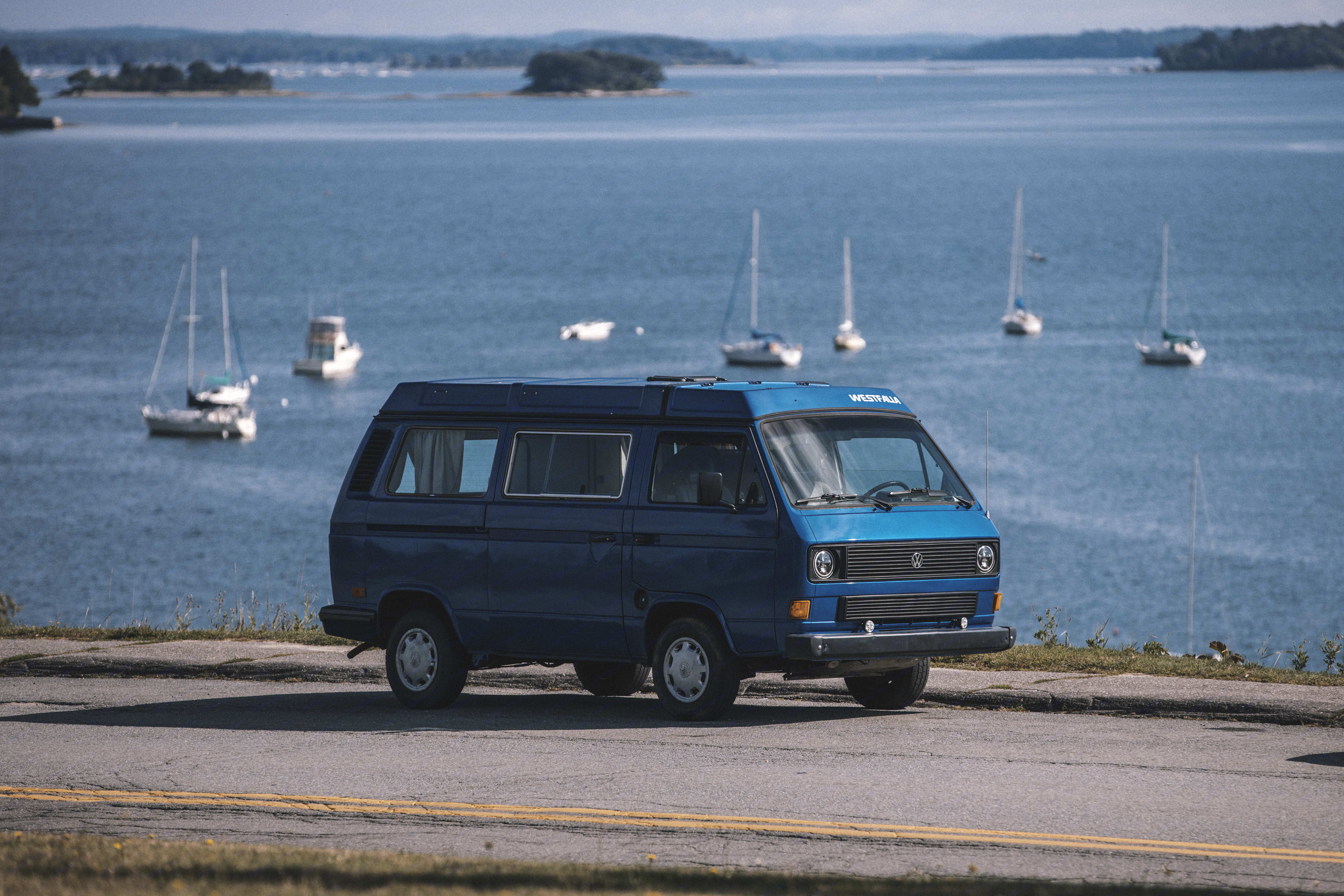 It's a old classic good looking camper van, but also eco-friendly choice. Each km ride on this van will be compensate by planting, brand new trees. At the end of the summer, money will be send to CO2 COMPENSATION QUEBEC, to covert the CO2 debt generate by this badass CamperVan.. Volkswagen T3 Westfalia 1984