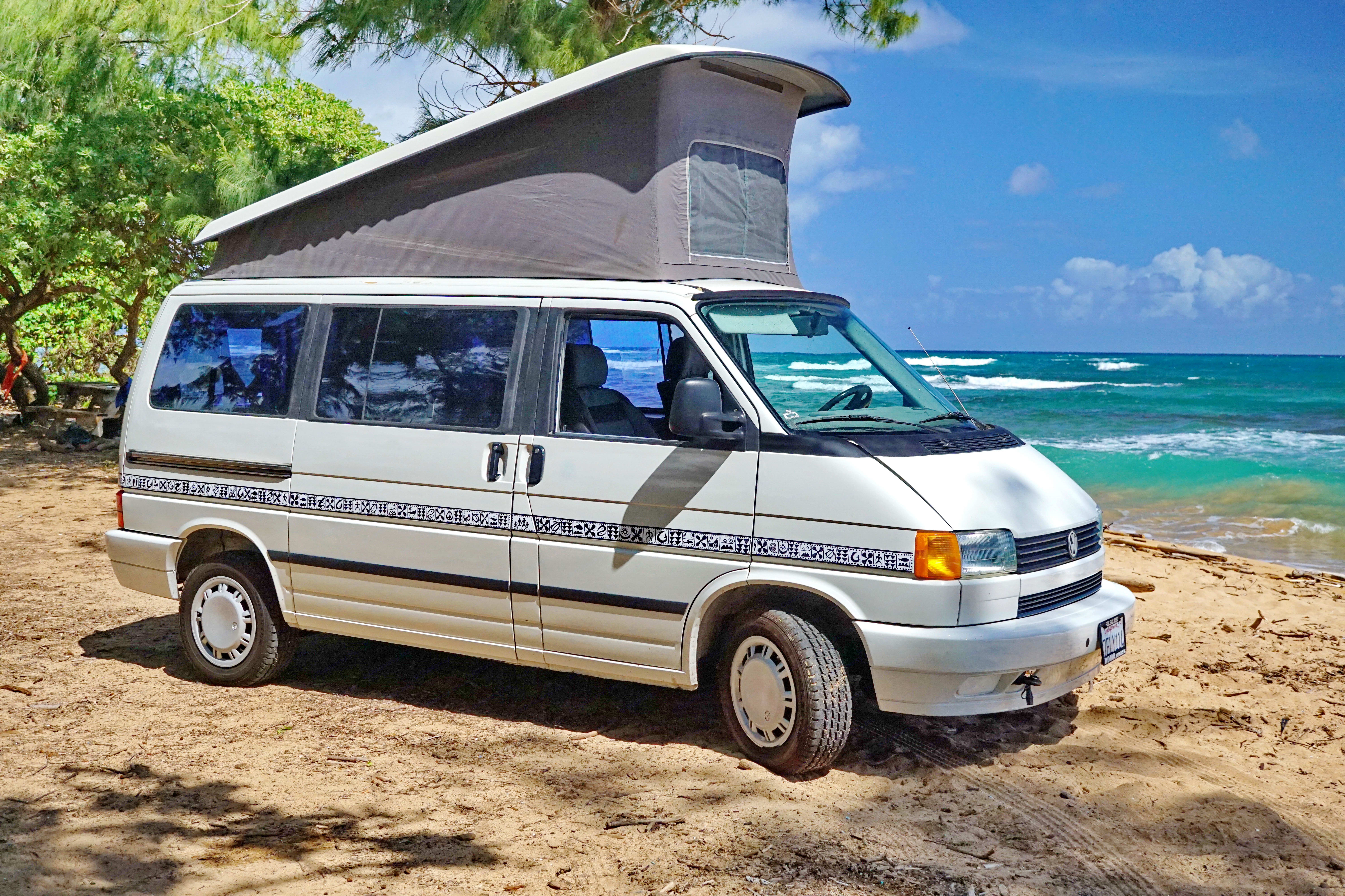 The pop-up was expanded by 2 feet from the prior Vanagon.. Volkswagen Eurovan 1993