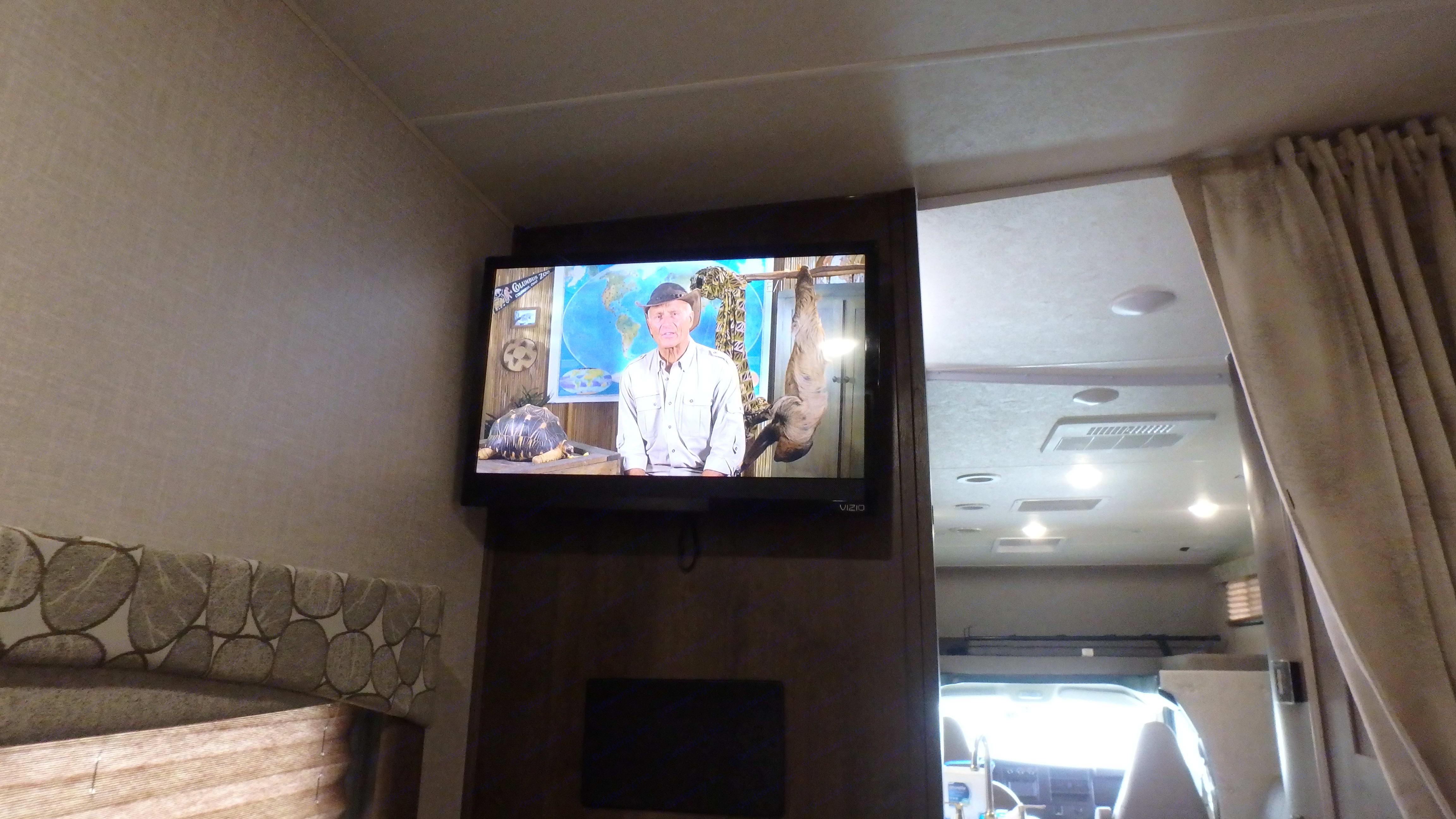 """22"""" TV in bedroom. Coachmen Freelander 2020"""