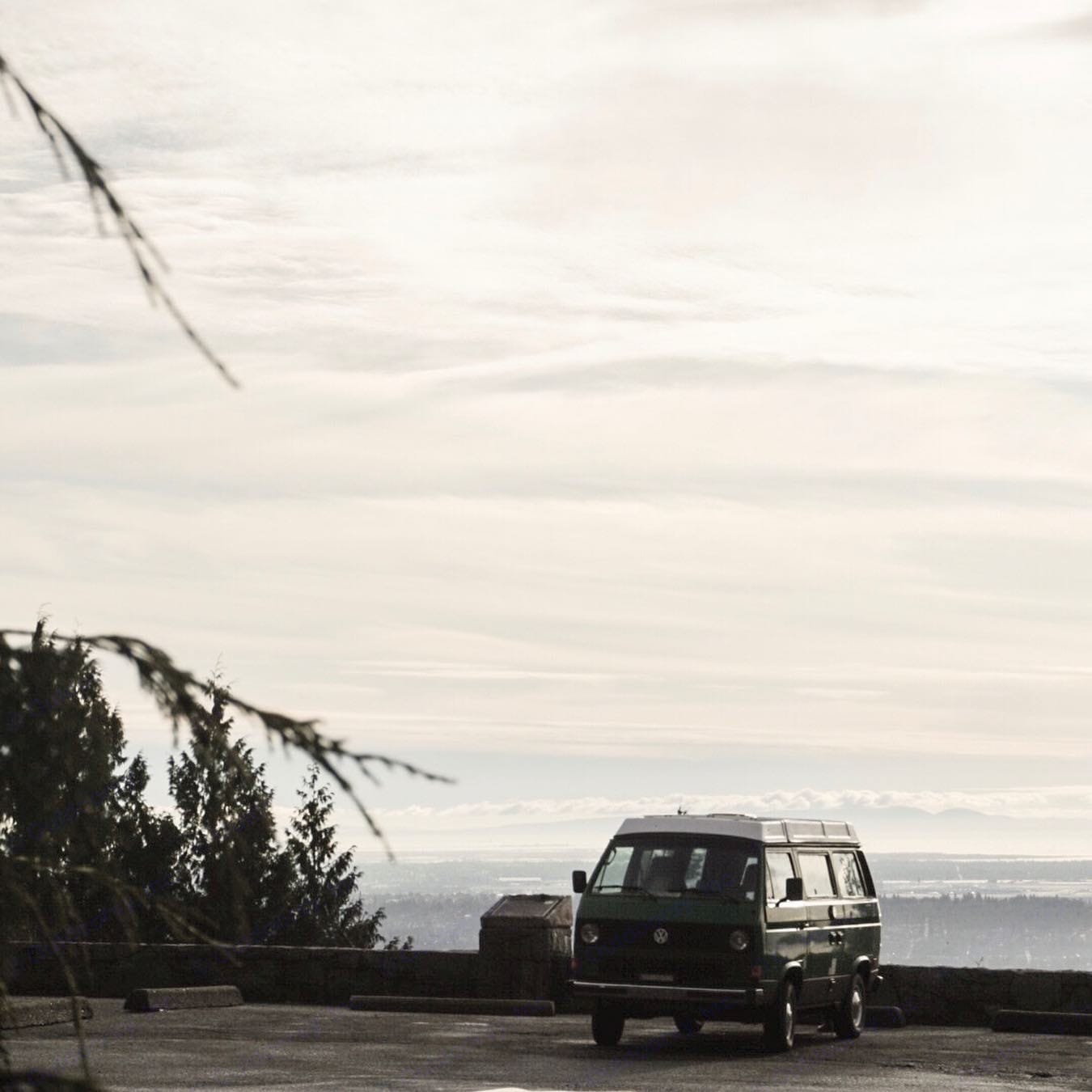 West Vancouver from the Cypress Mountain view point.. Volkswagen Westfalia 1984