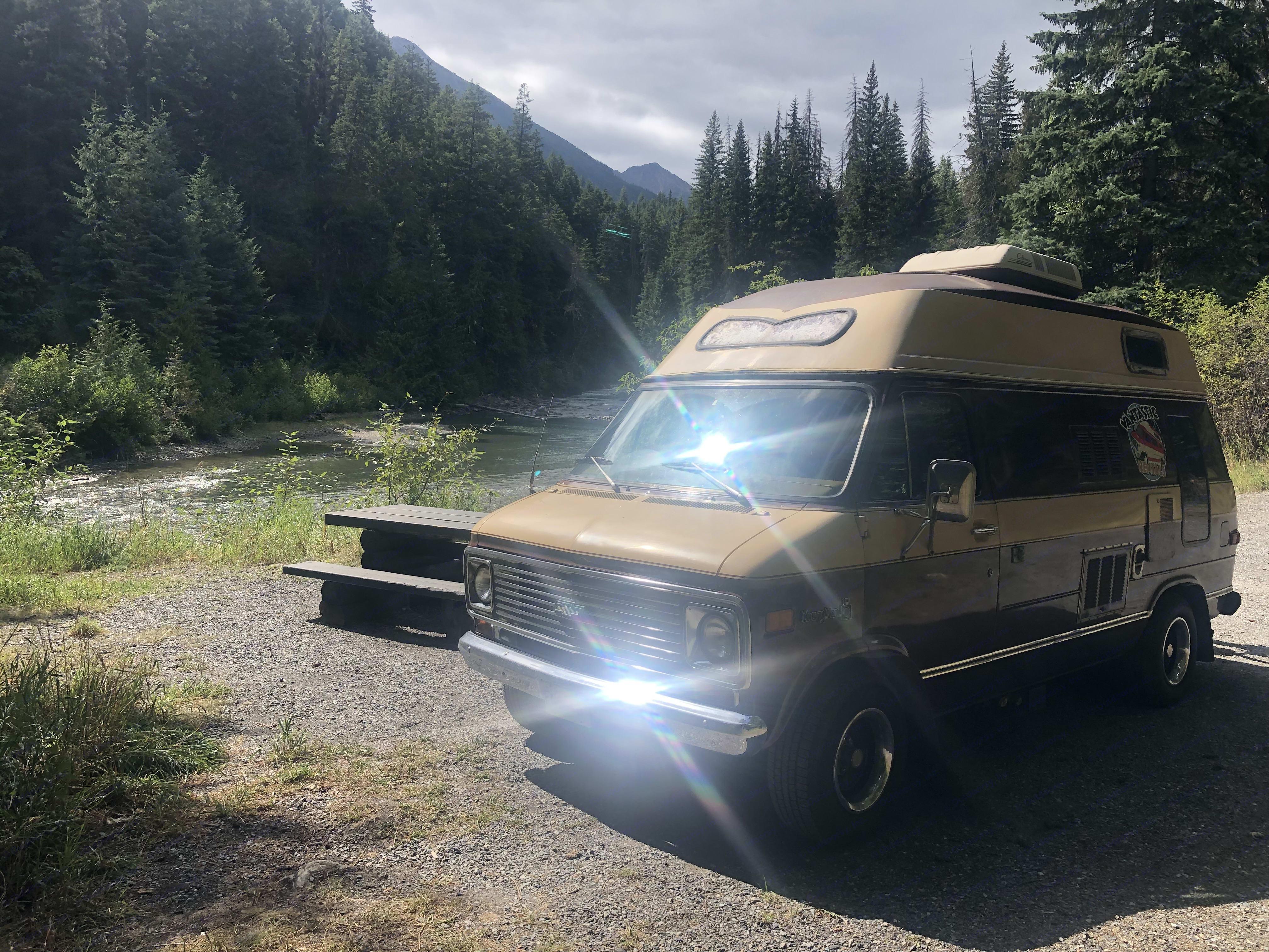 Chevrolet Camper van 1977