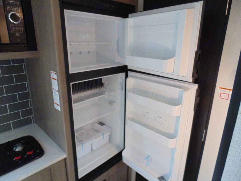 Full sized fridge and freezer!. Keystone Hideout 2020