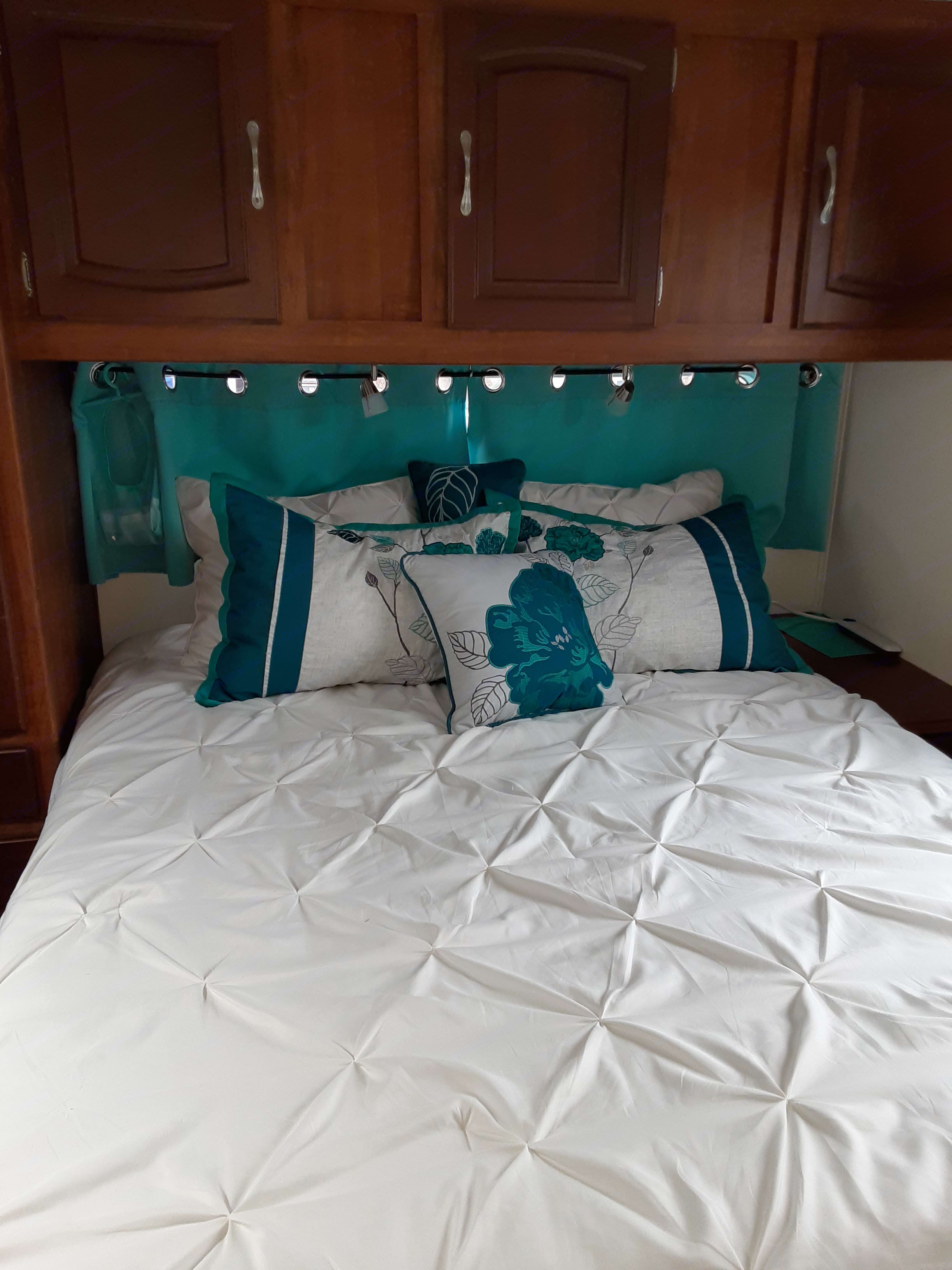 Queen bed in the master with new, deep mattress for extra comfort!. Jayco Granite Ridge 2006