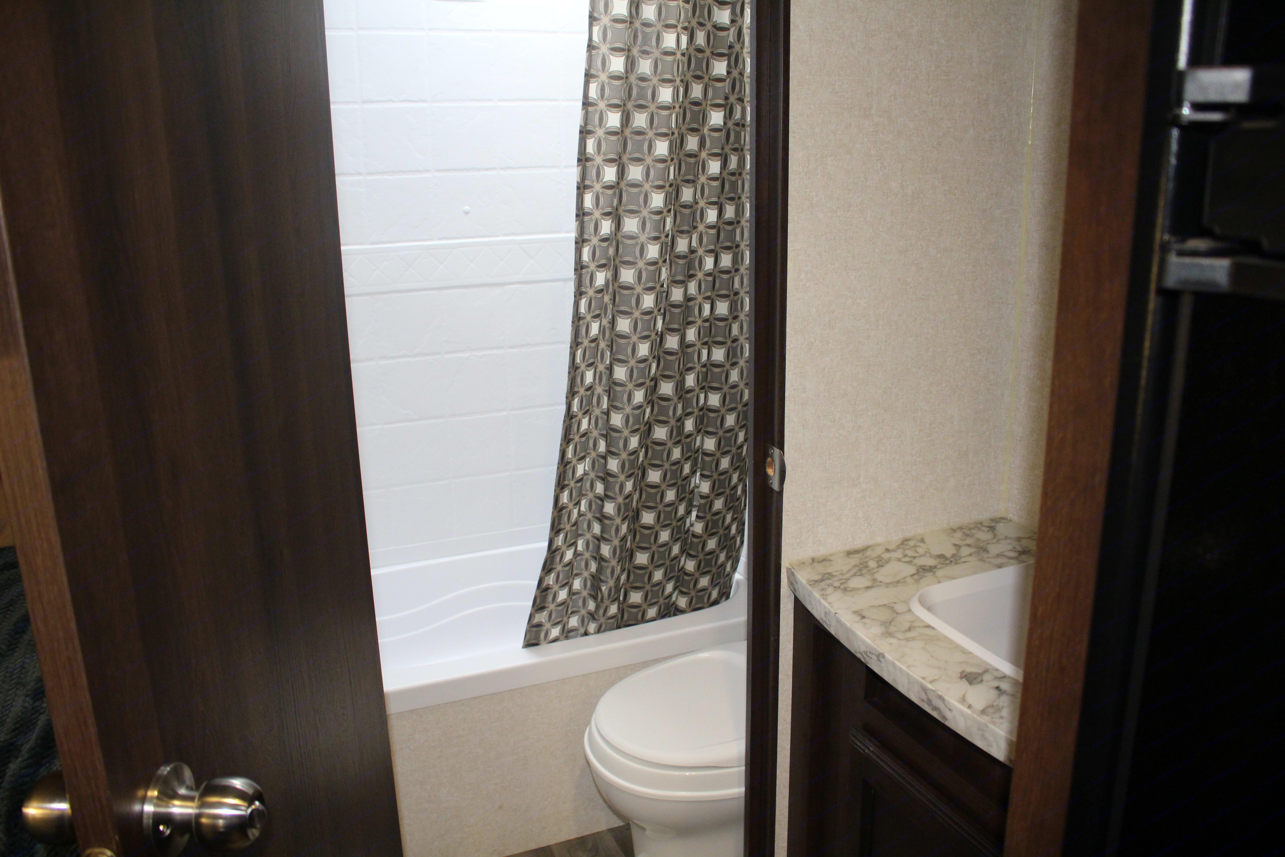 Full Bathroom. Jayco Jay Flight 2019