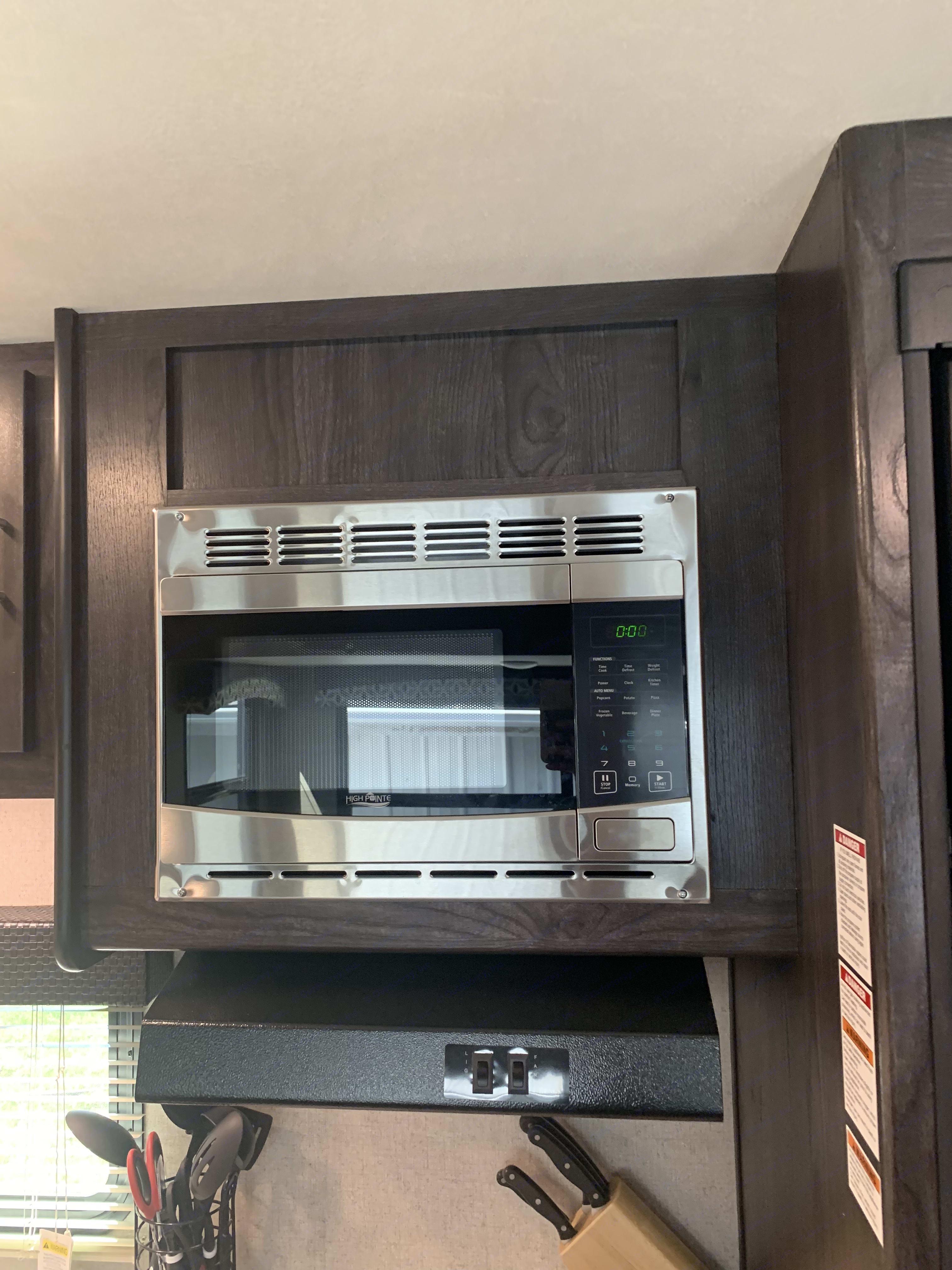 Microwave . Dutchmen Kodiak 2019
