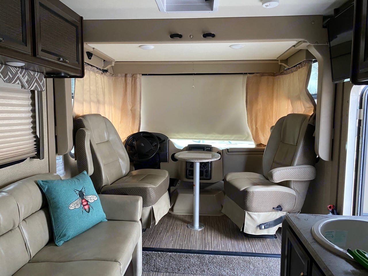 Privacy Shades, Chairs Swivel w/table. Thor Motor Coach Axis 2017