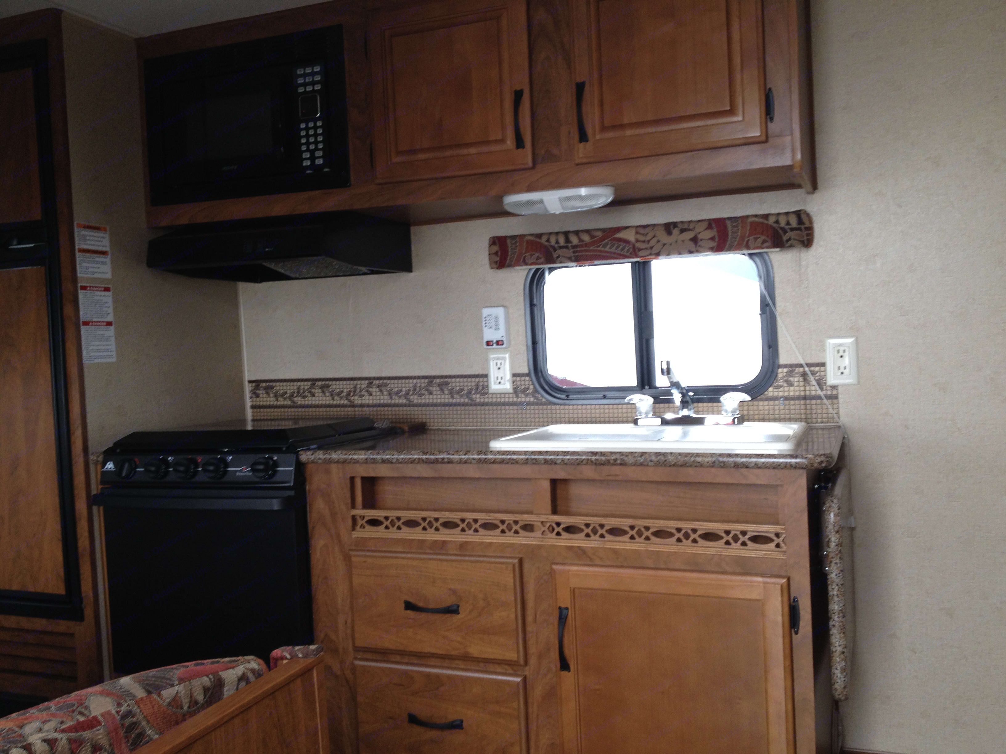 Outdoors Rv Manufacturing Back Country 2014