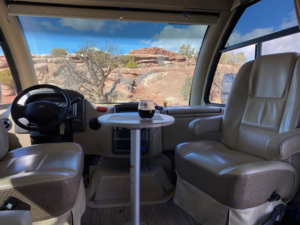 Dine in or out.  Enjoy the view!. Thor Motor Coach Axis 2017