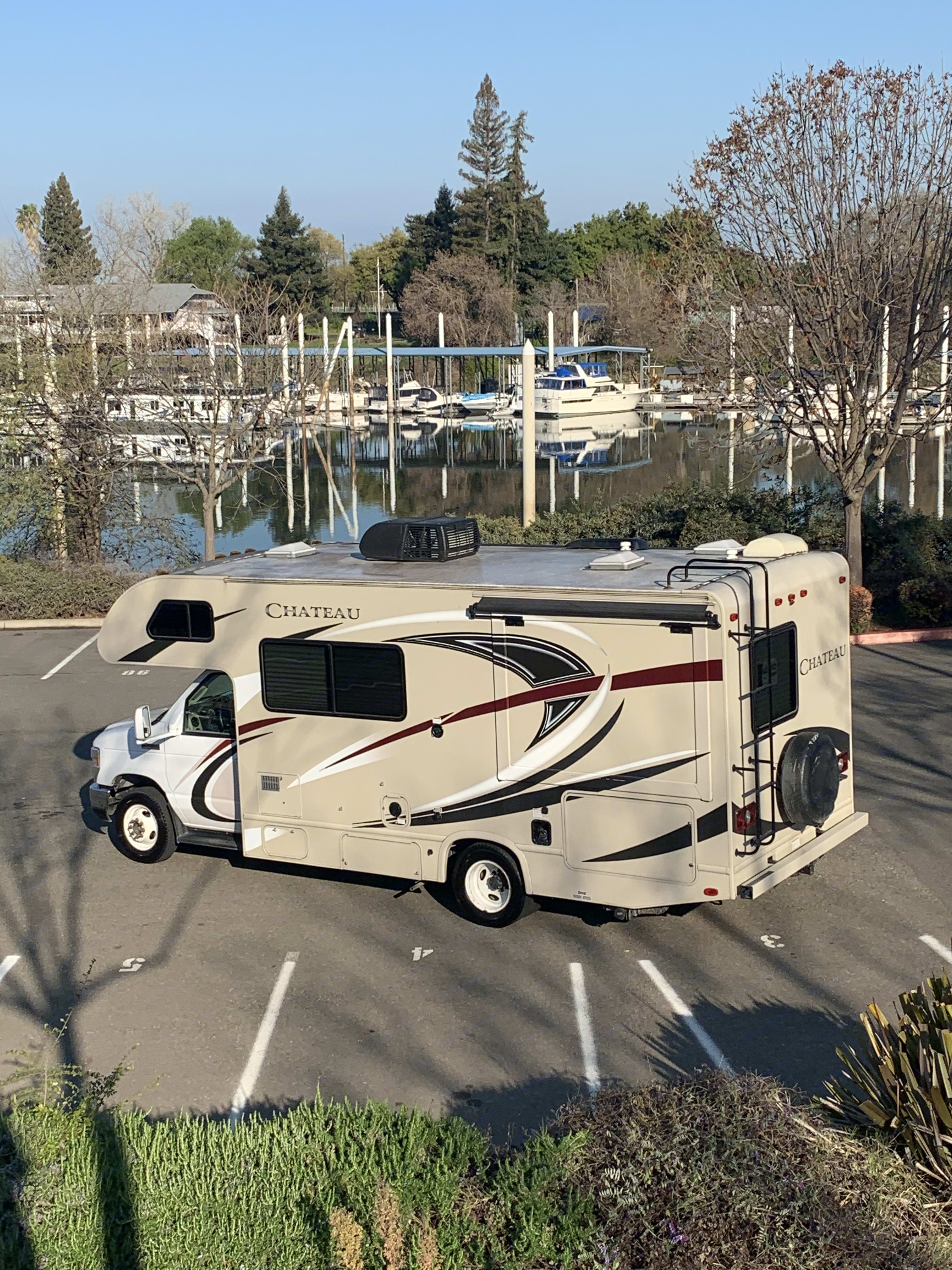easy to drive. Thor Motor Coach Chateau 2017