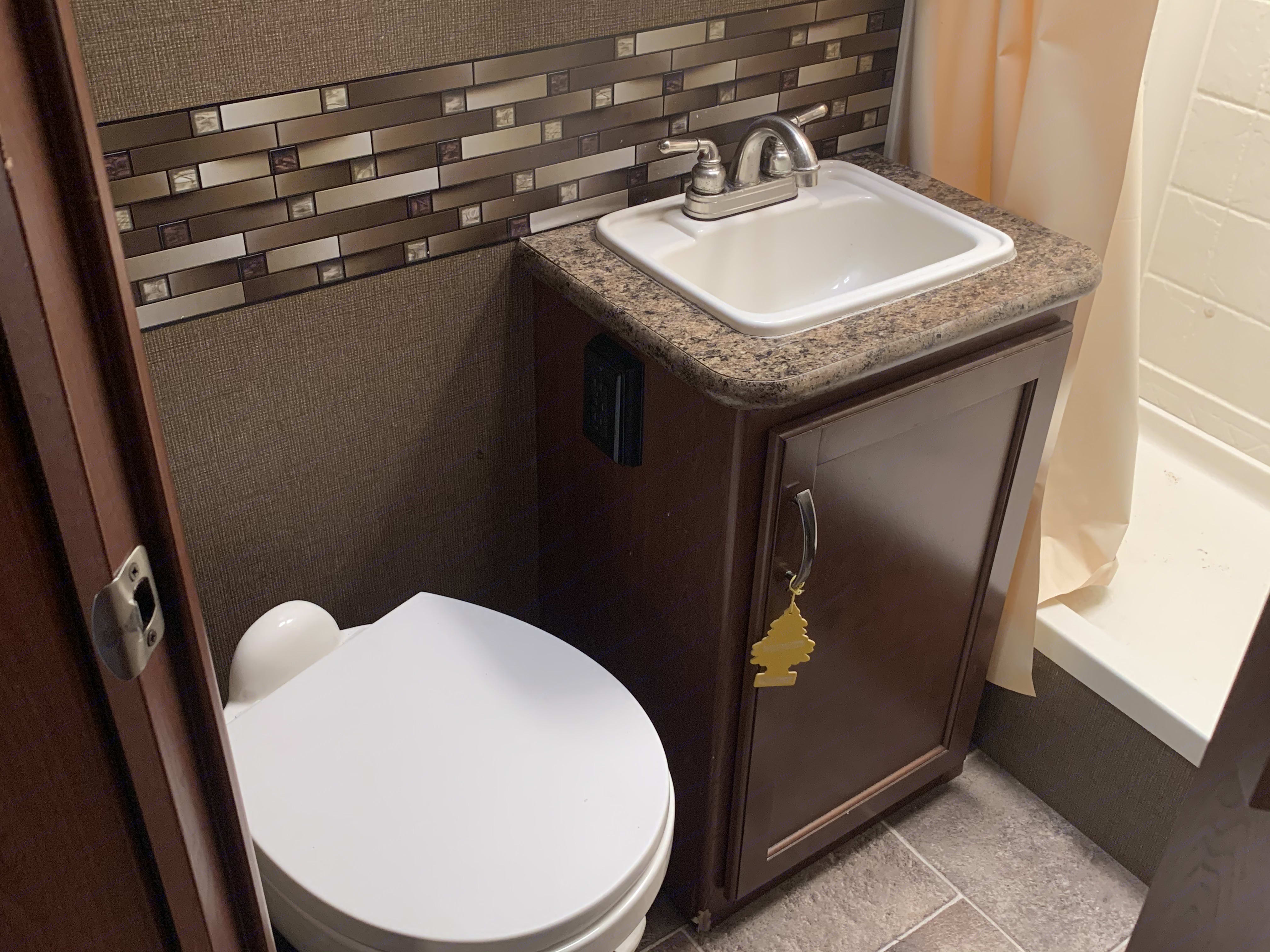 bathroom. Thor Motor Coach Chateau 2017
