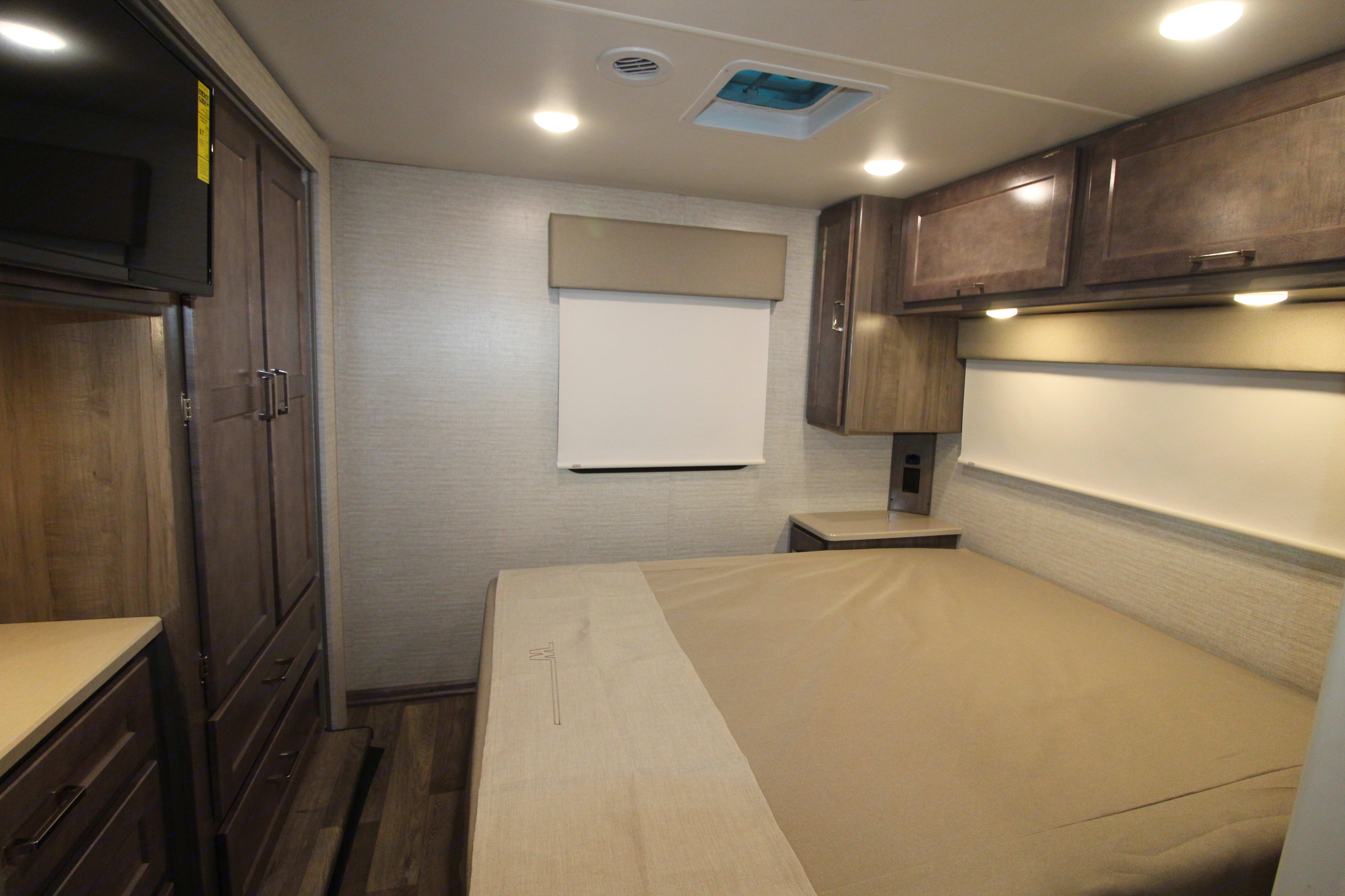 Bedroom. Winnebago Minnie Winnie 2020
