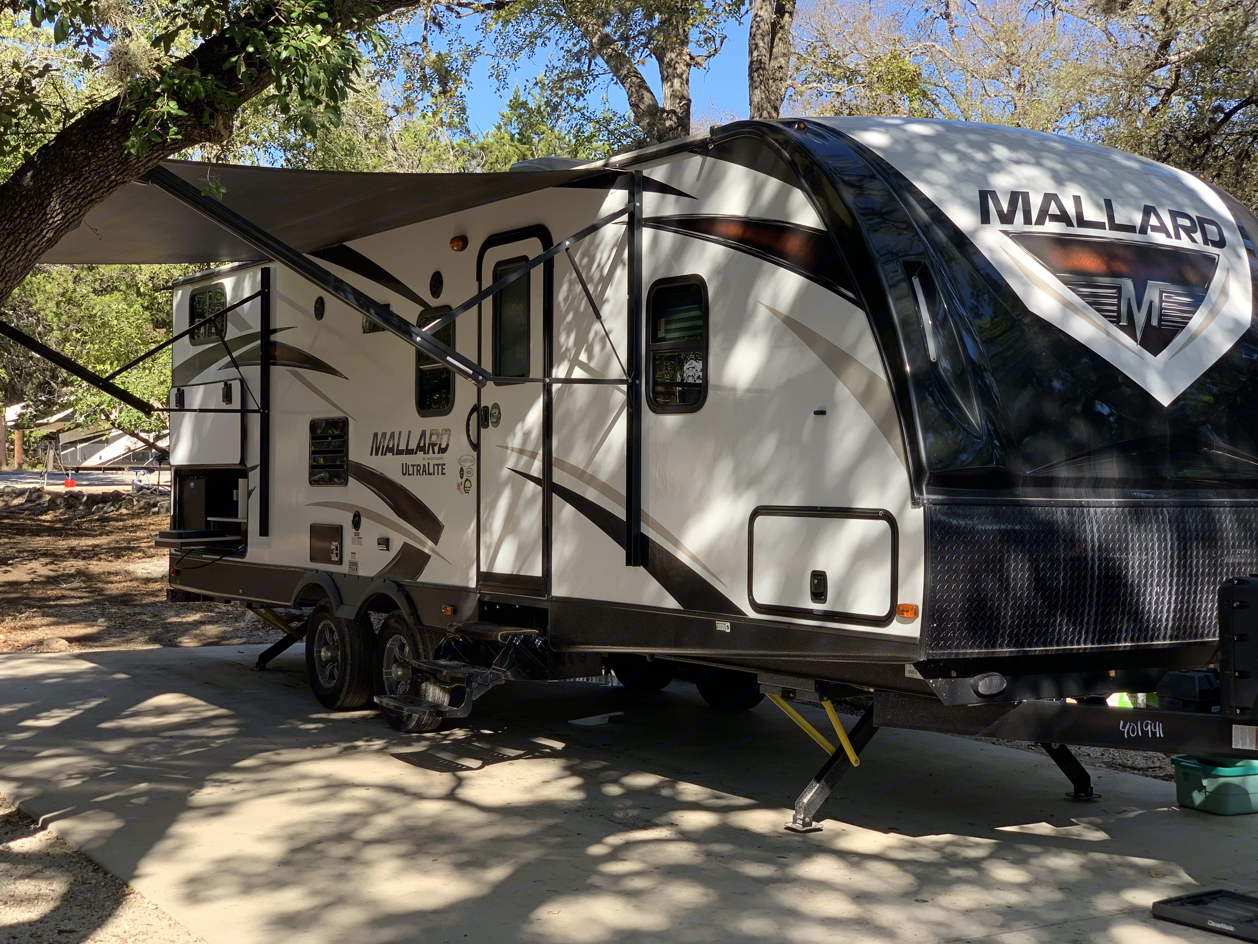 Covered awning. Heartland Mallard 2018