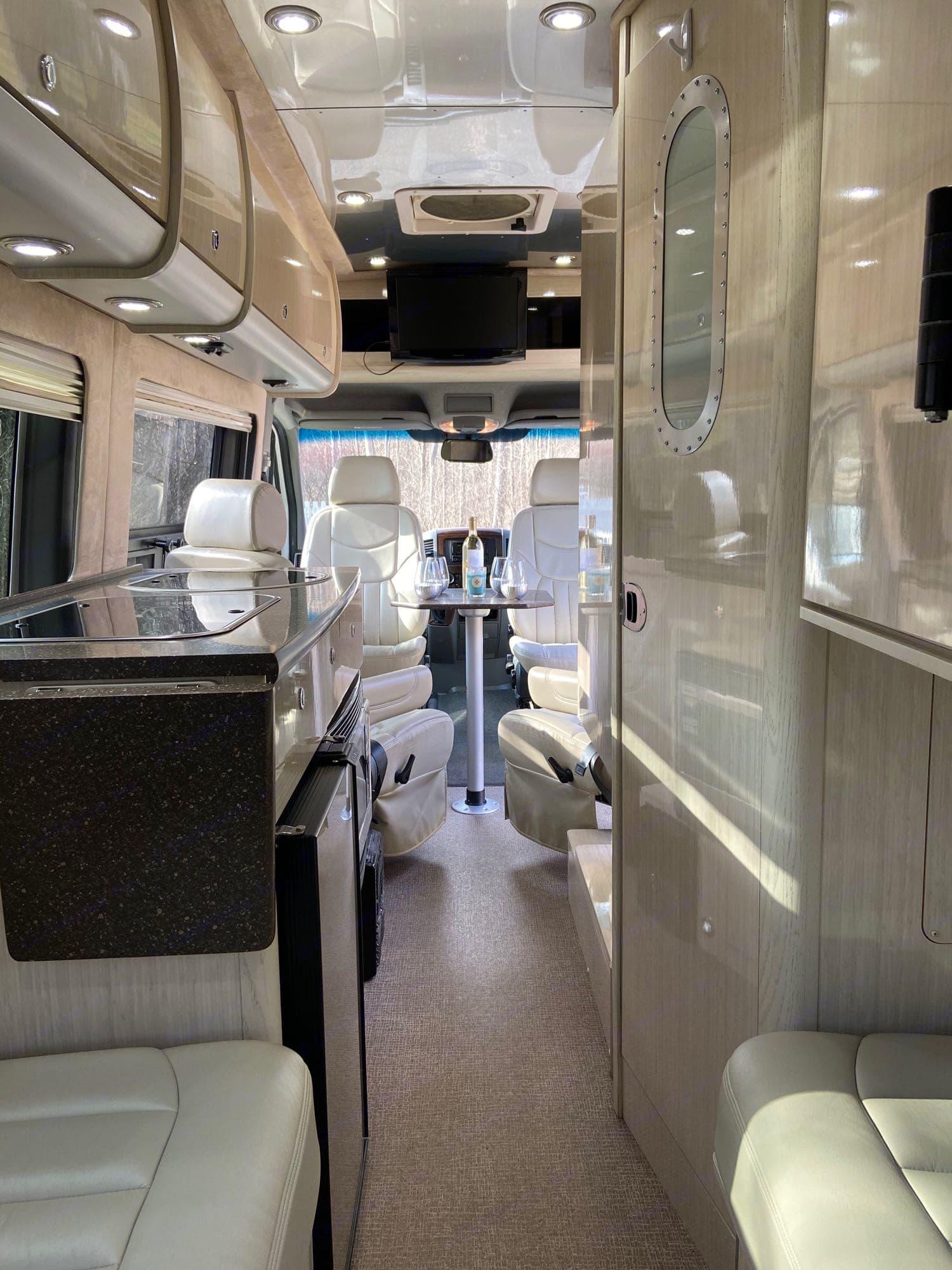 Airstream Interstate 2011