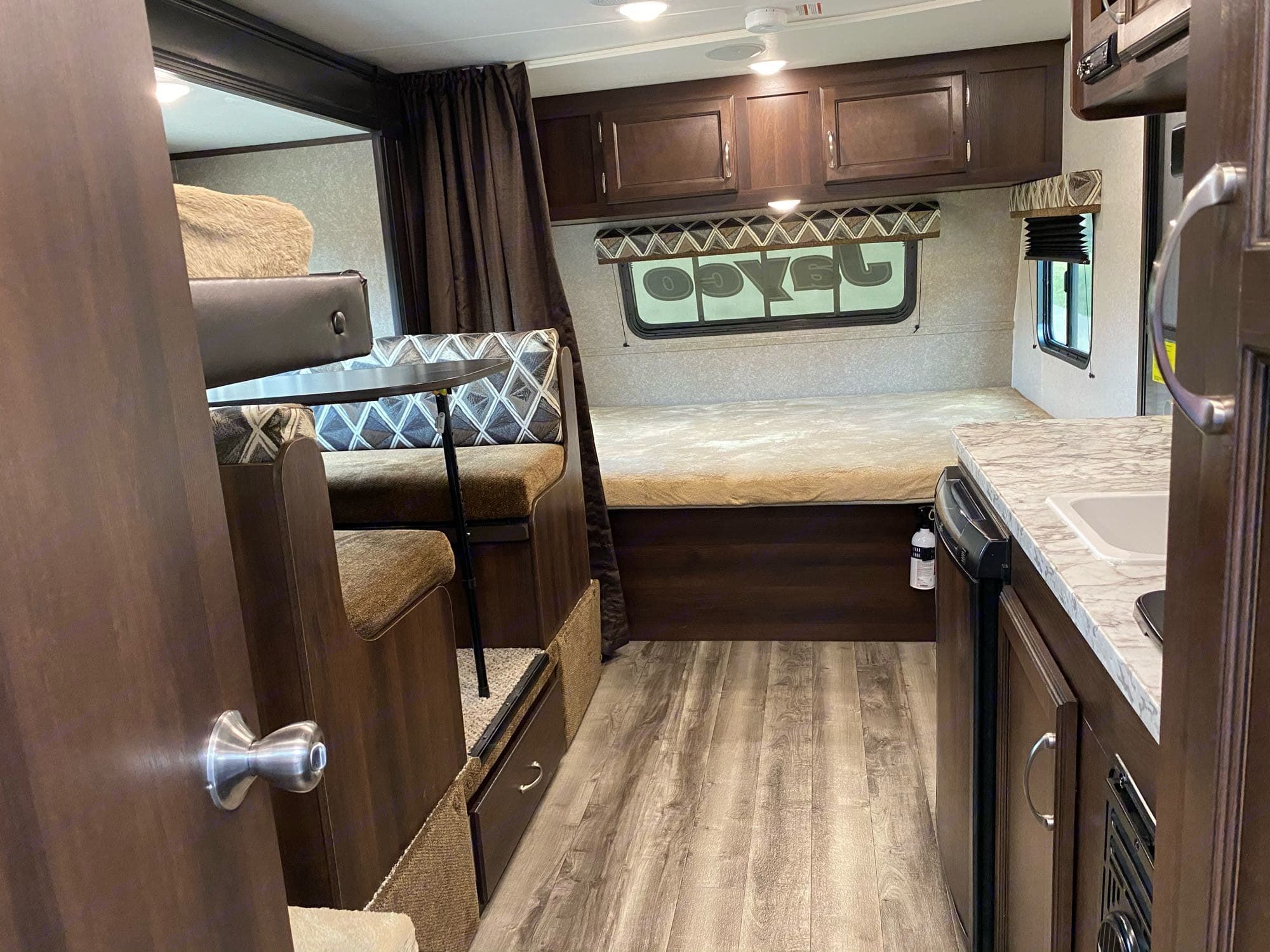 All the essentials! Queen Size bed lifts for more storage!. Jayco Jay Flight 2018