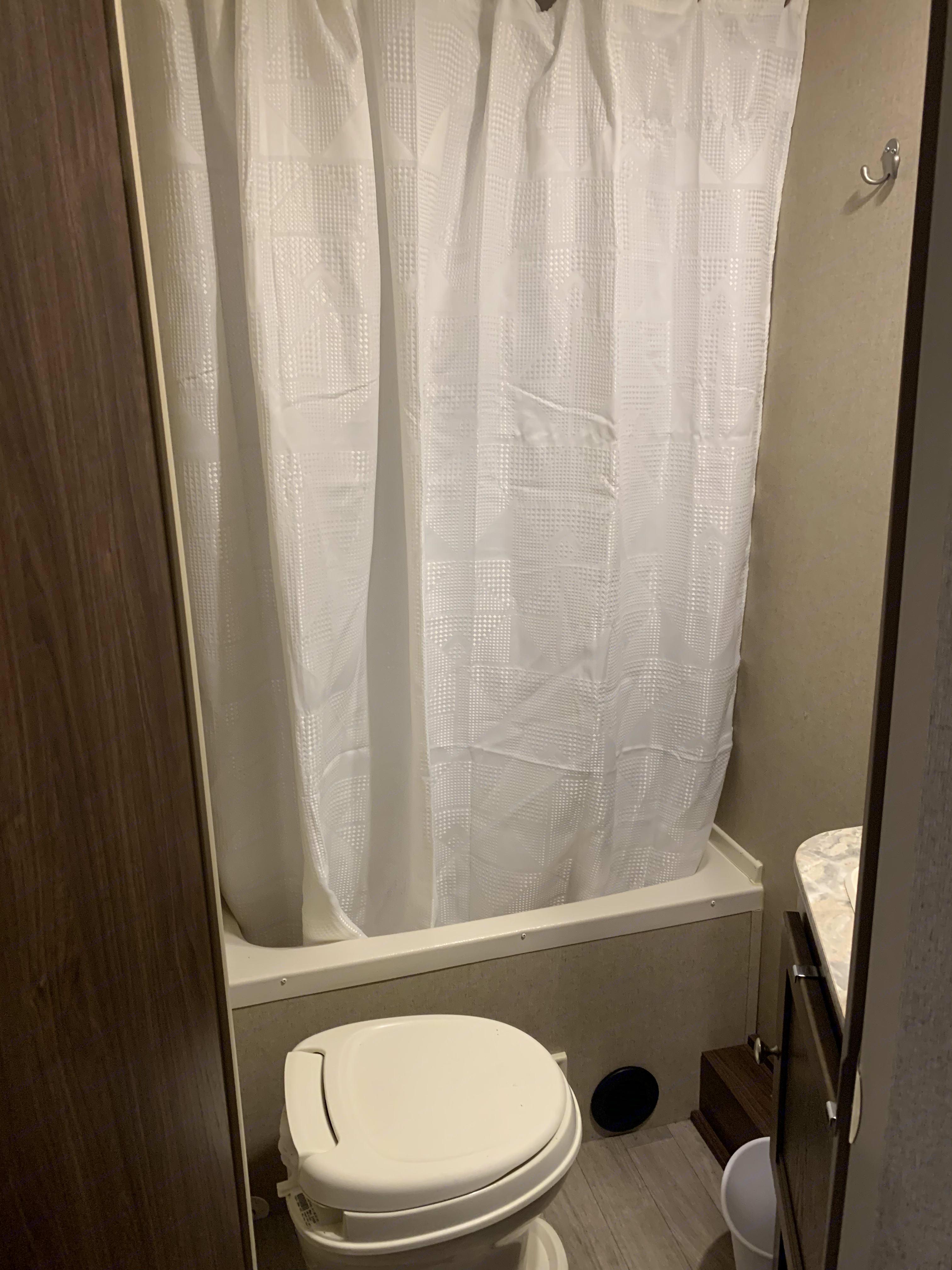 Shower. Coleman Lantern Edition 2018