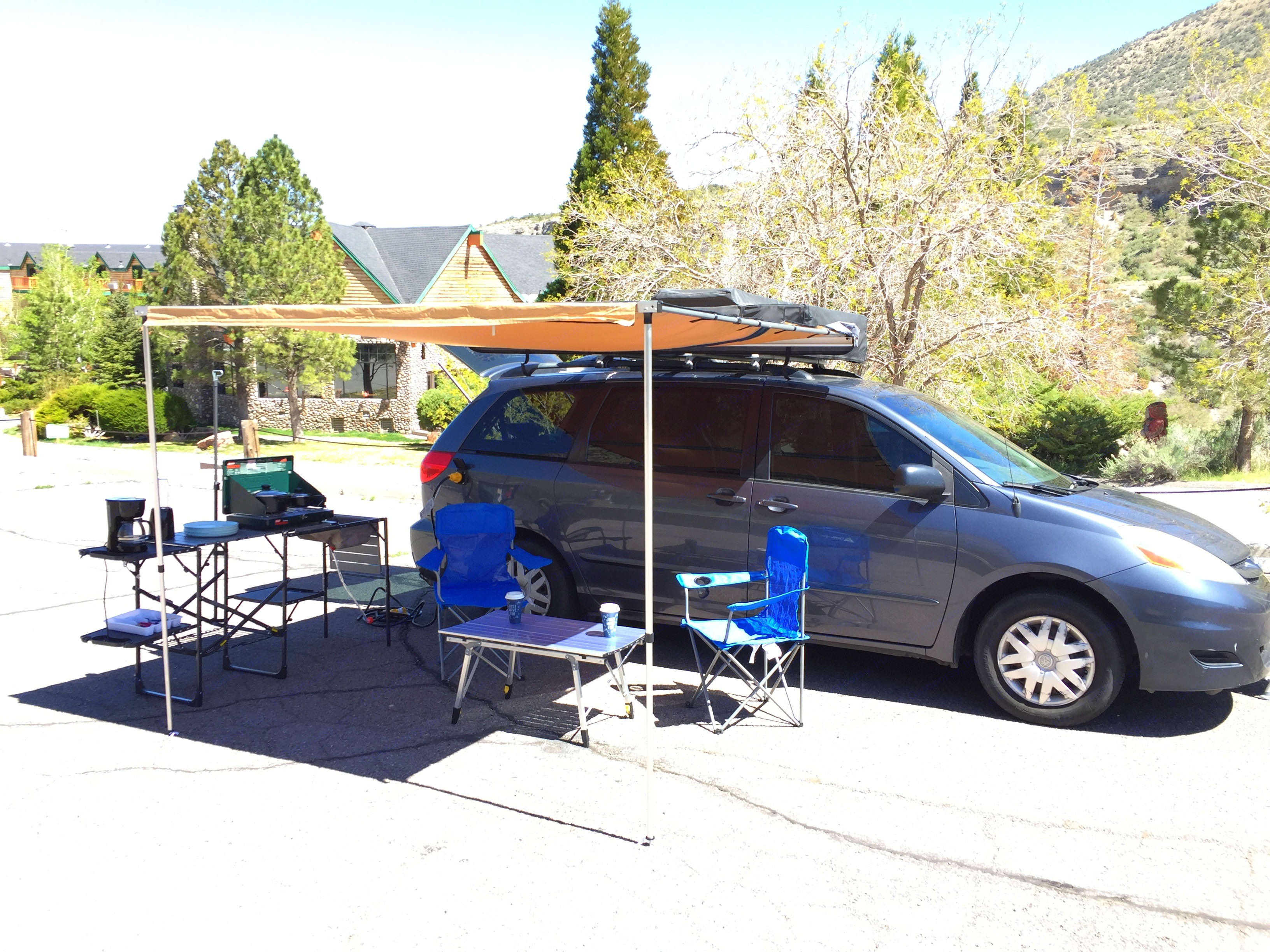 Awning fully deployed.. Toyota Sienna 2008