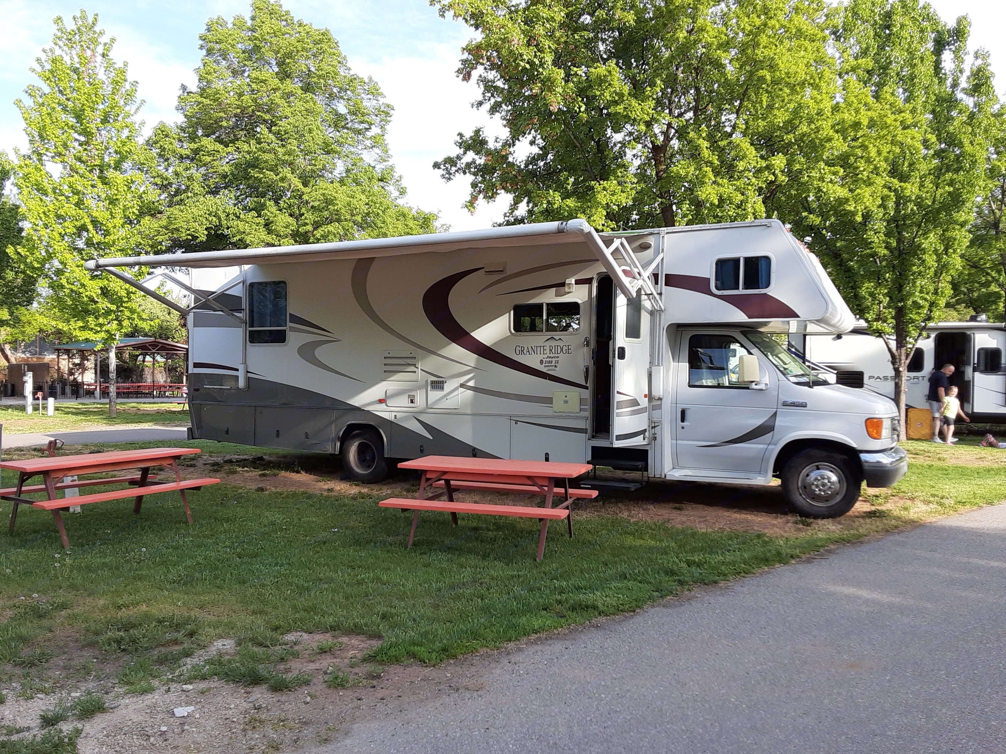 Awning out and ready to picnic at Cherry Hill!. Jayco Granite Ridge 2006