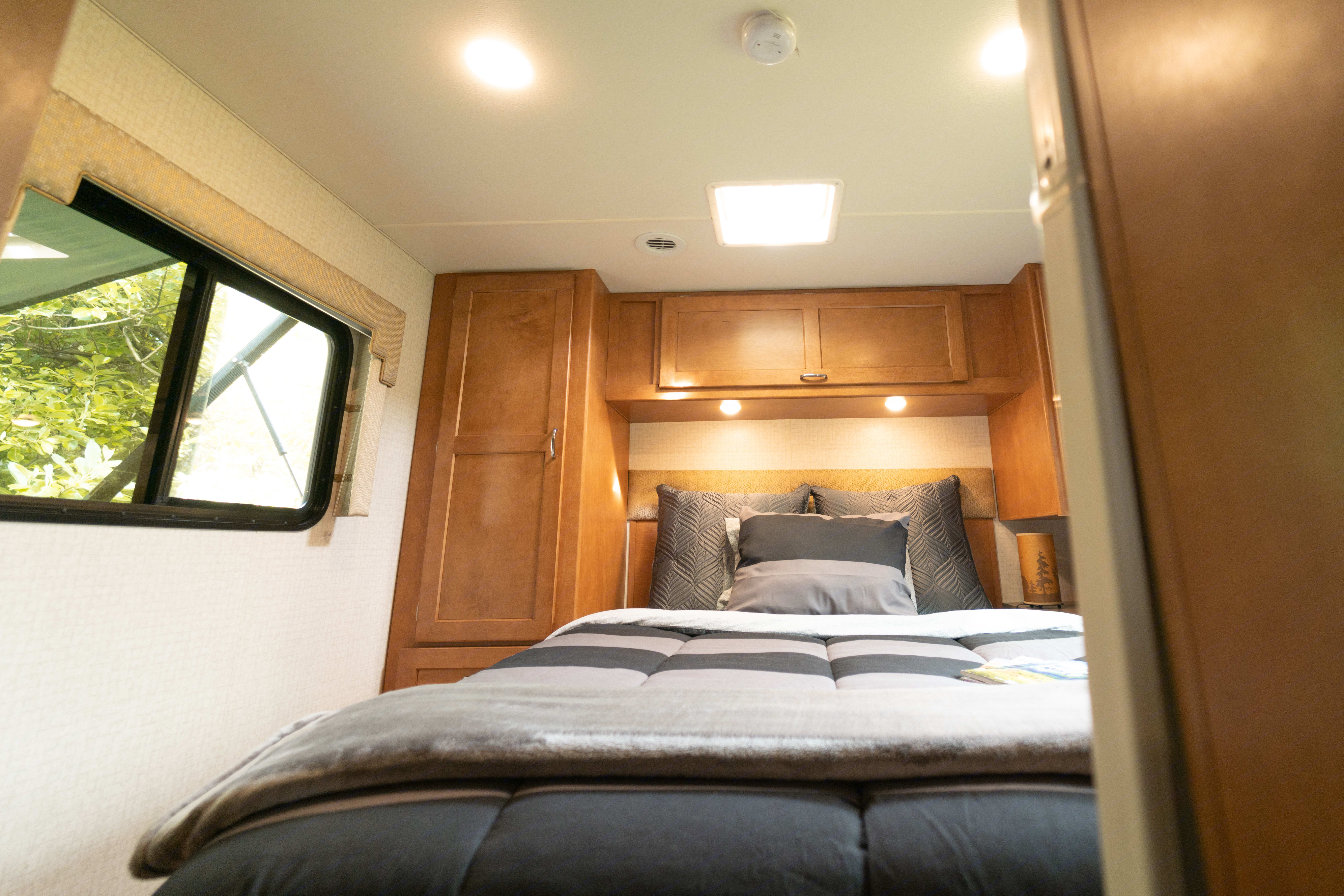 Roomie Master Bedroom. Winnebago Minnie 2017