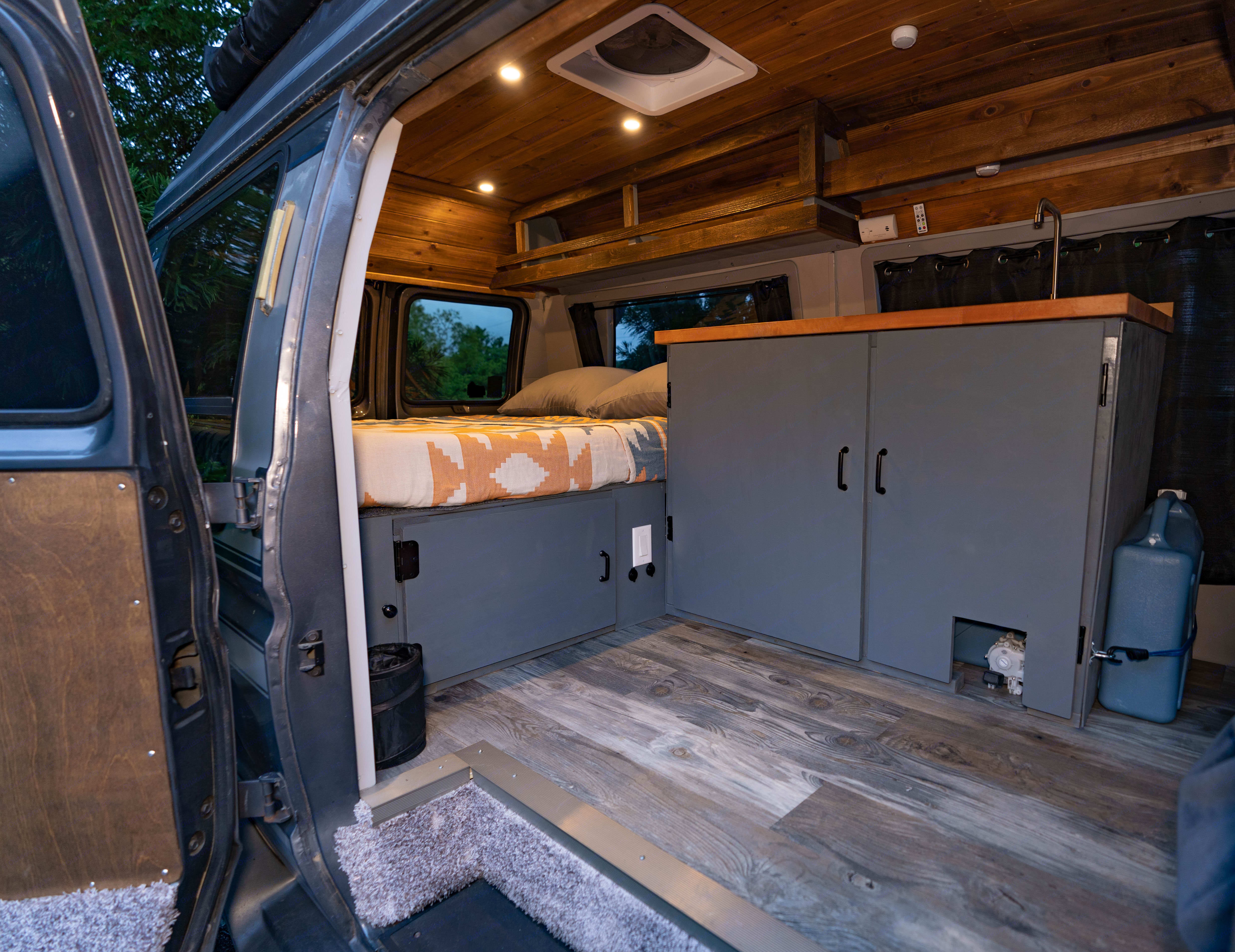 Side Entry. Ford E150ChariotHi-TopConversion 1991