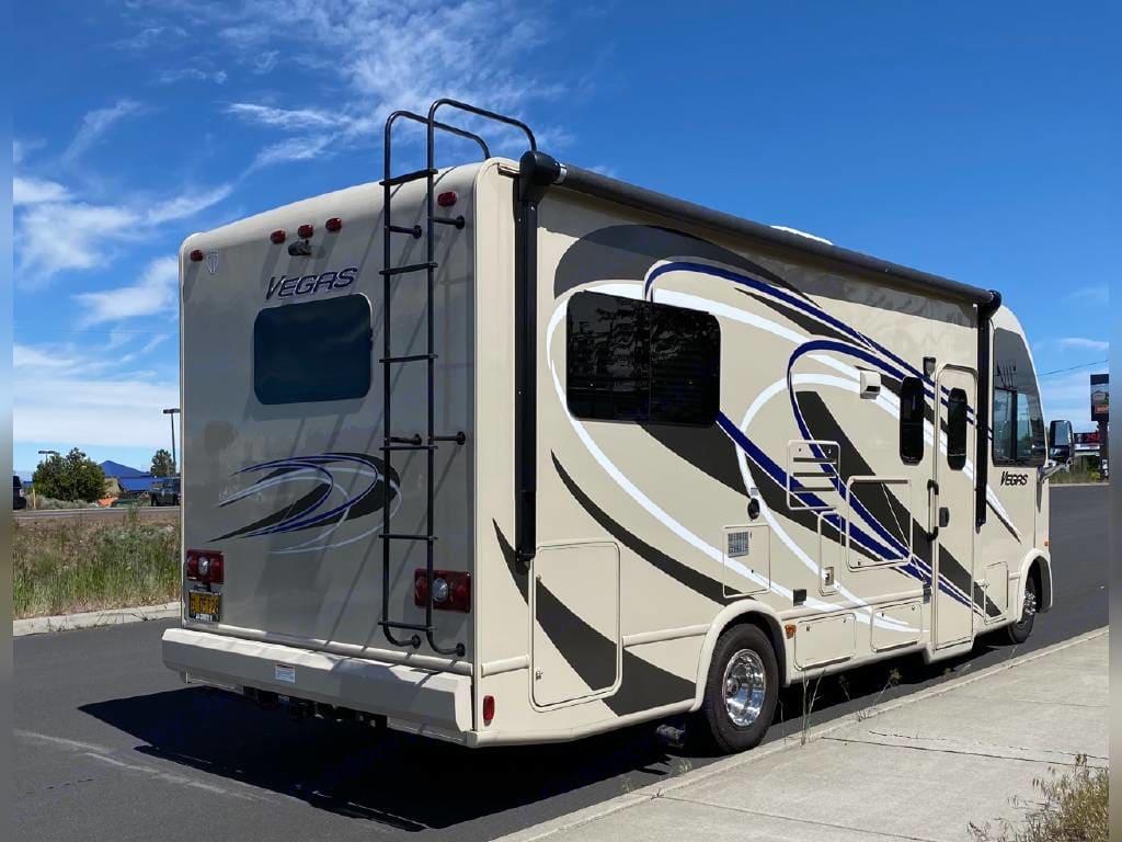 Thor Motor Coach Vegas 2015
