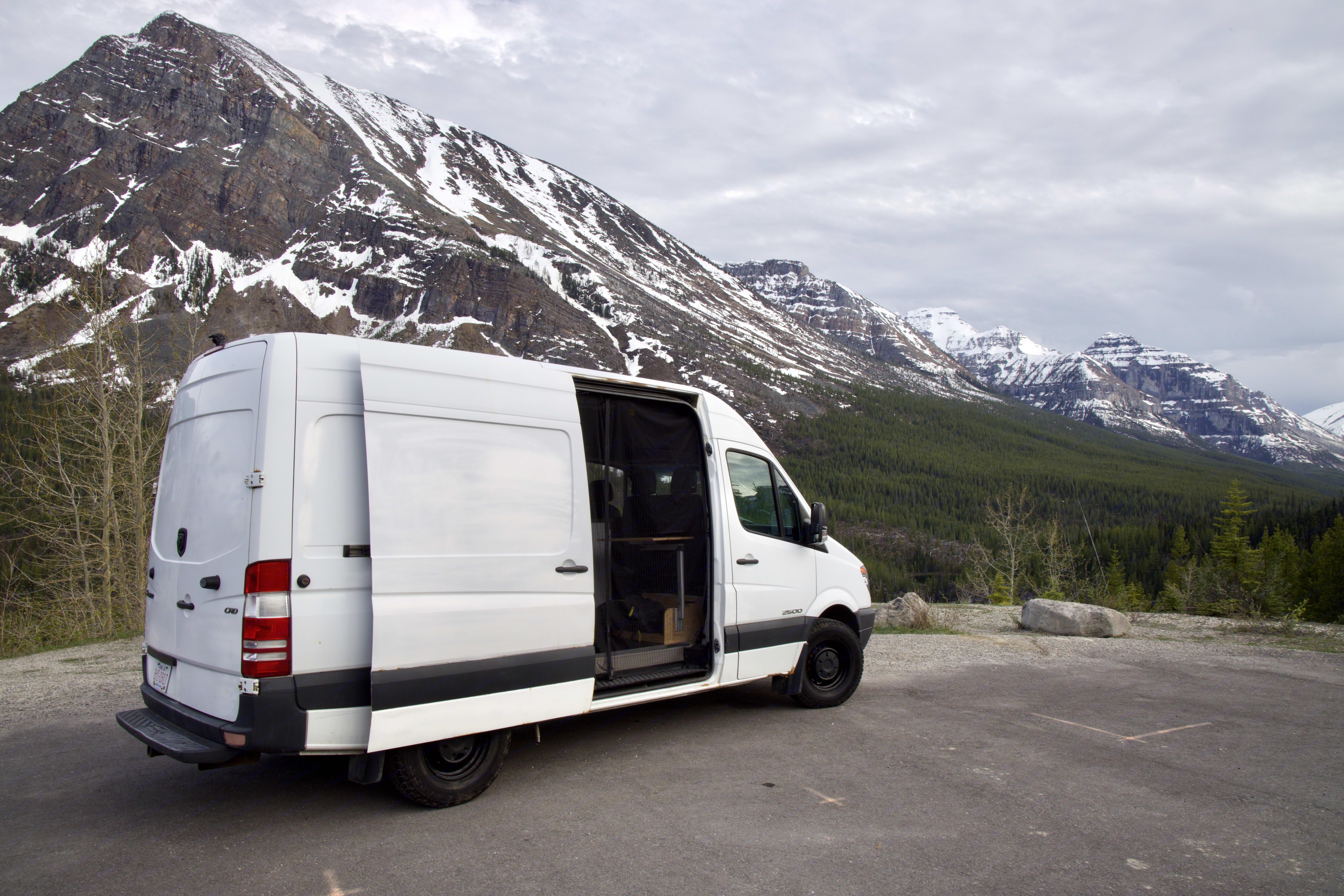 Kootenay National Park, BC, Lunch stop. Mercedes-Benz Sprinter 2008