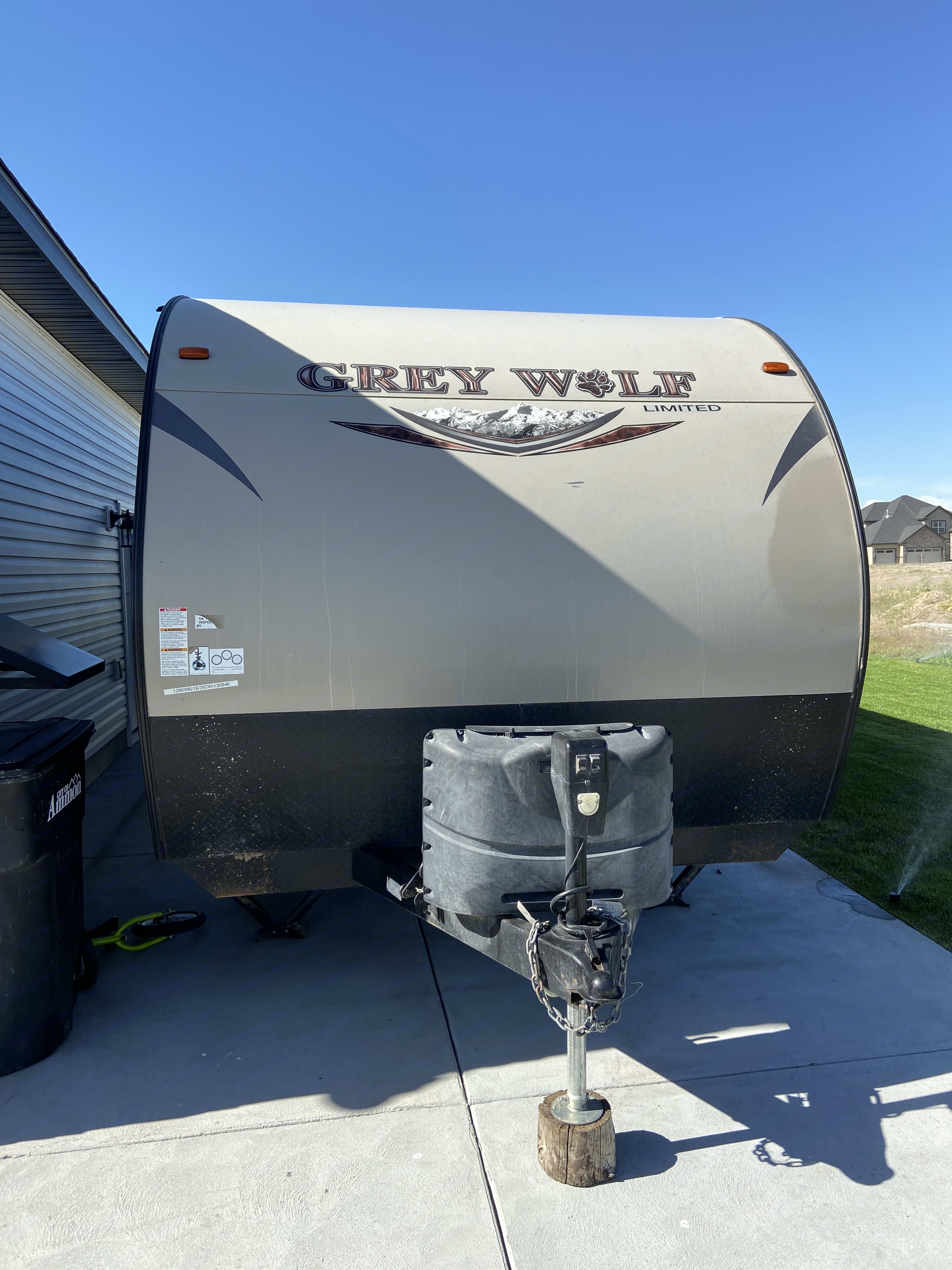 Forest River Cherokee Grey Wolf 2016