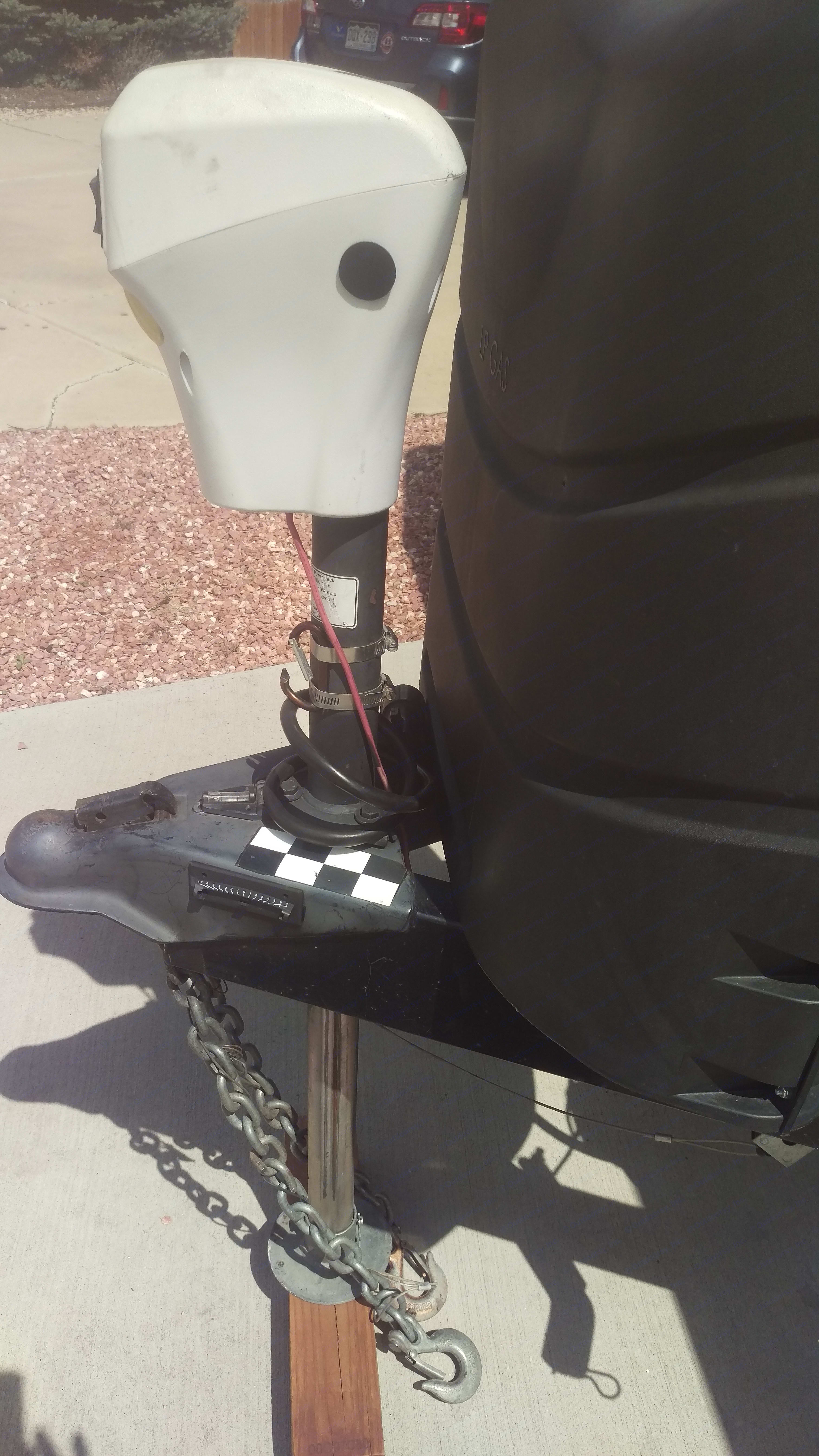 Electric hitch very easy to use. Forest River Rockwood Ultra Lite 2014