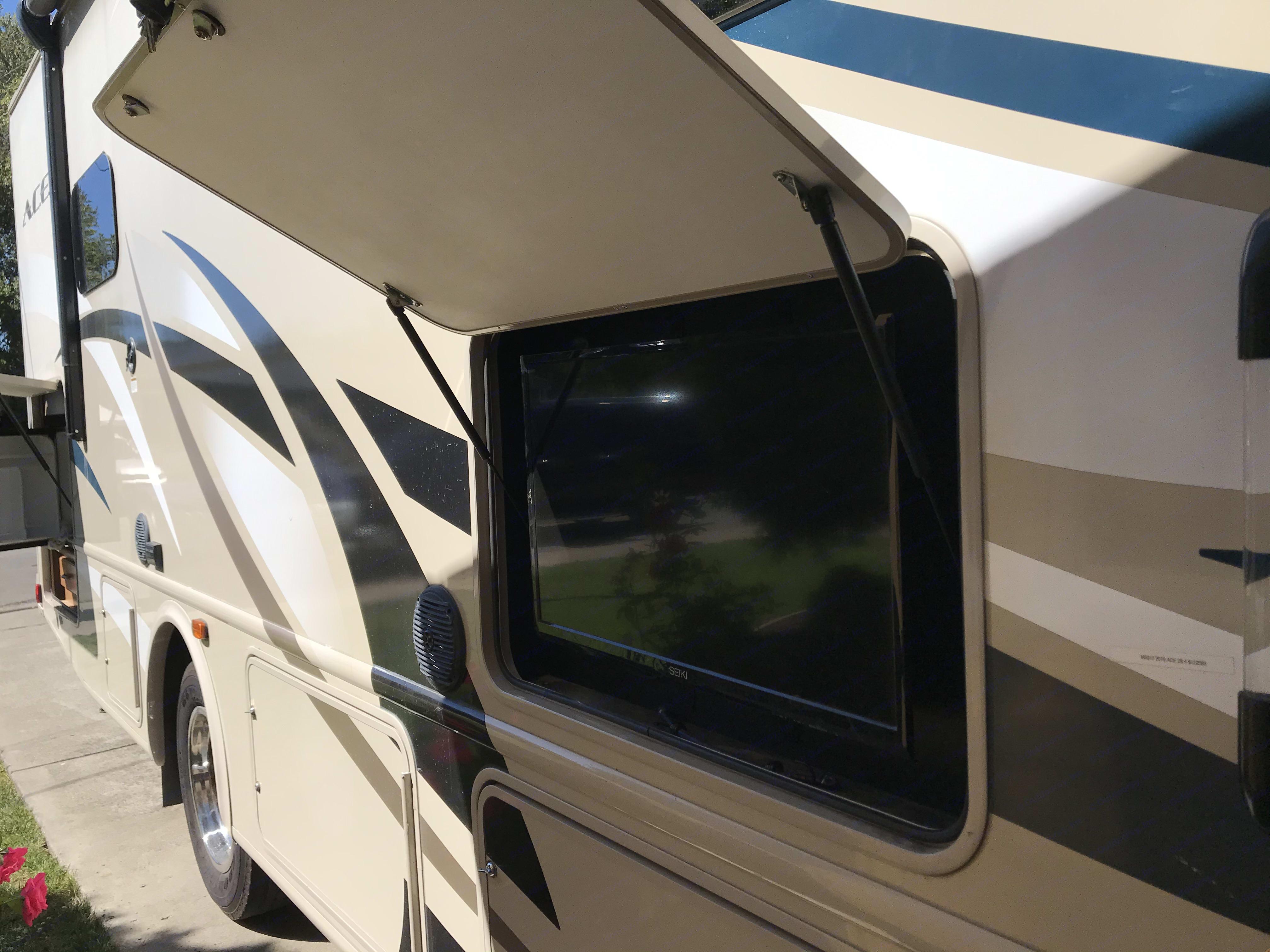 outdoor television. Thor Motor Coach A.C.E 2016