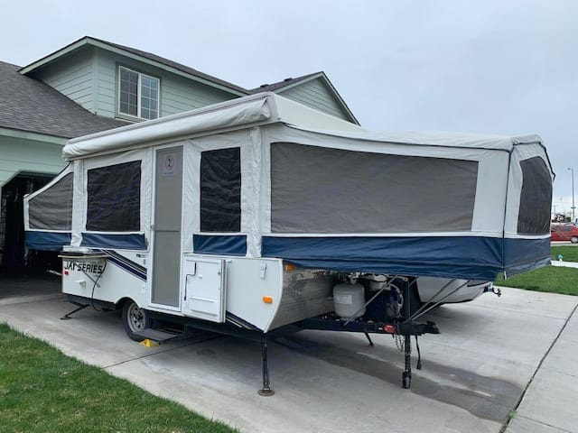Trailer fully set up, awning comes attached and can be put if if desired. Jayco JaySeries 2010