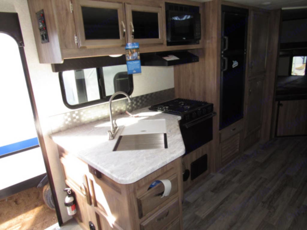 Good size kitchen that's fully stocked. Bring your own food and you're set!. Jayco Jay Feather 2019