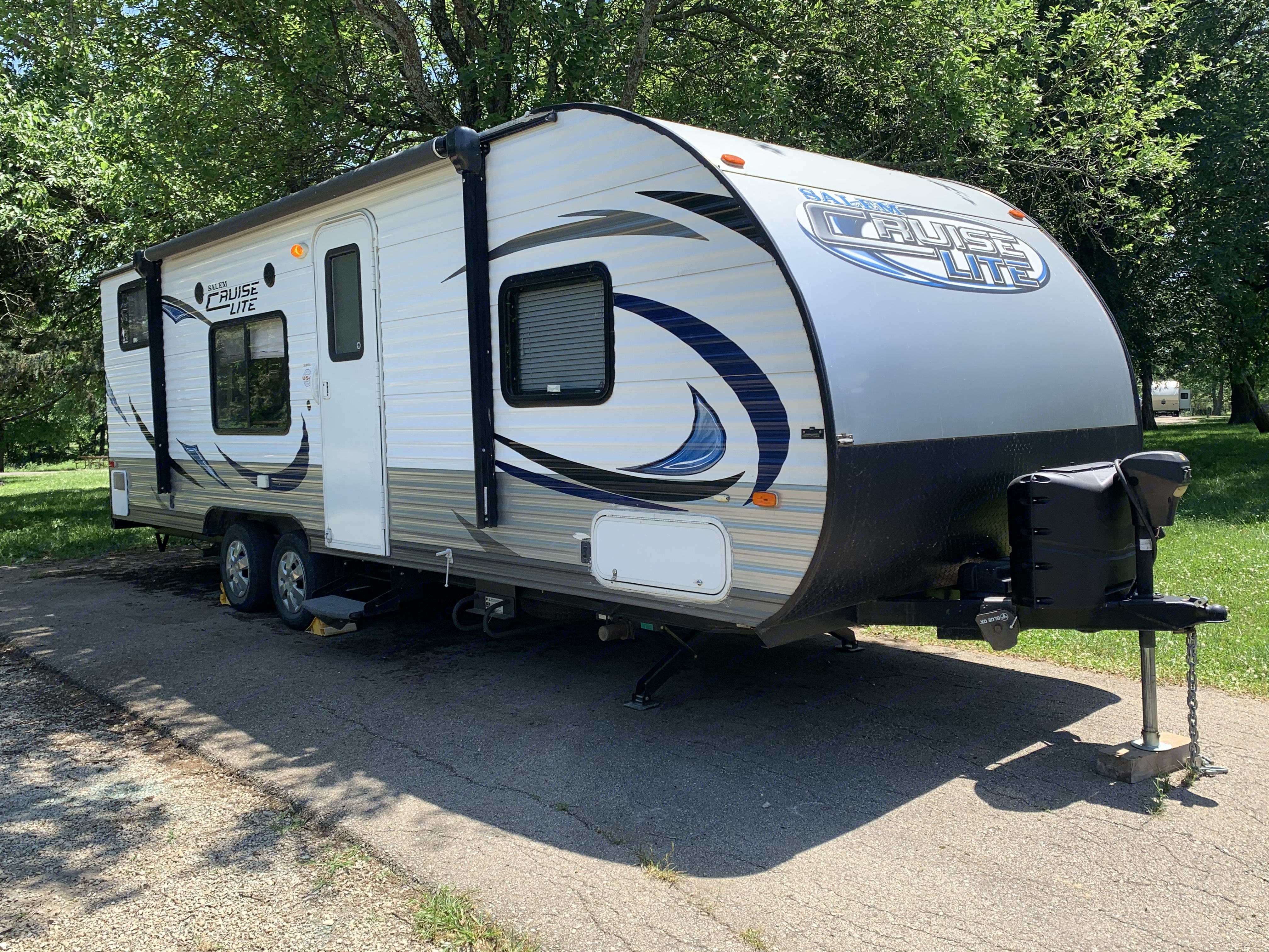 Half ton or SUV towable.. Forest River Cruise Lite 2015