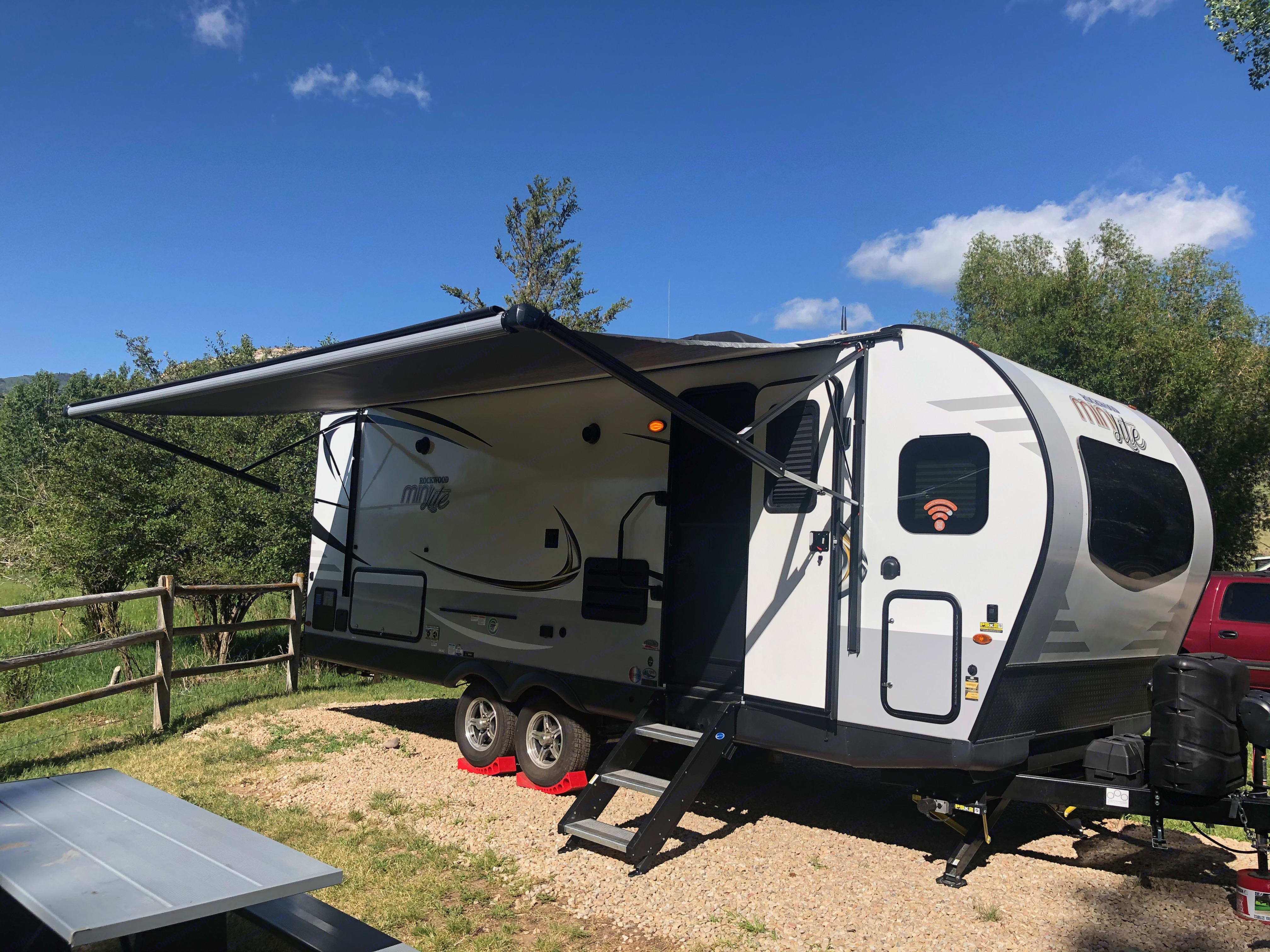 Awning With LED Lighting. Forest River Mini-Lite 2020