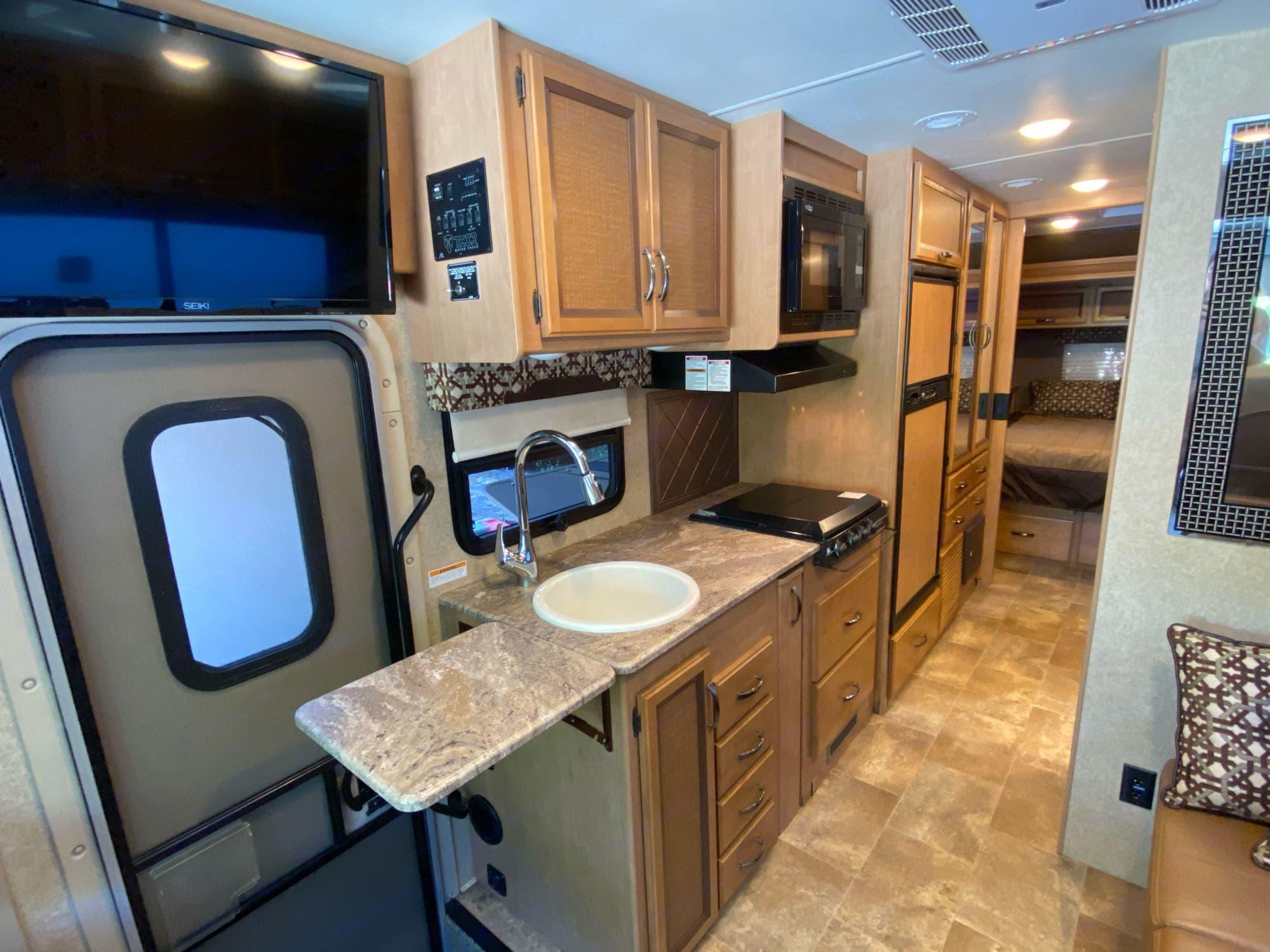 kitchen. Thor Motor Coach Axis 2016