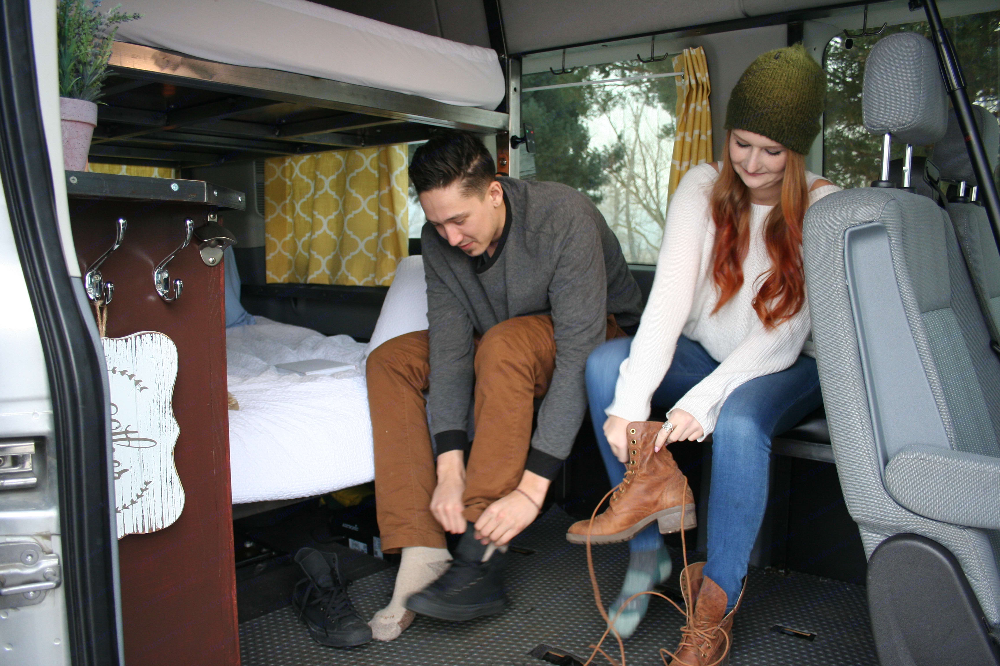 Bench allows space to get ready! . Ford Transit 2019