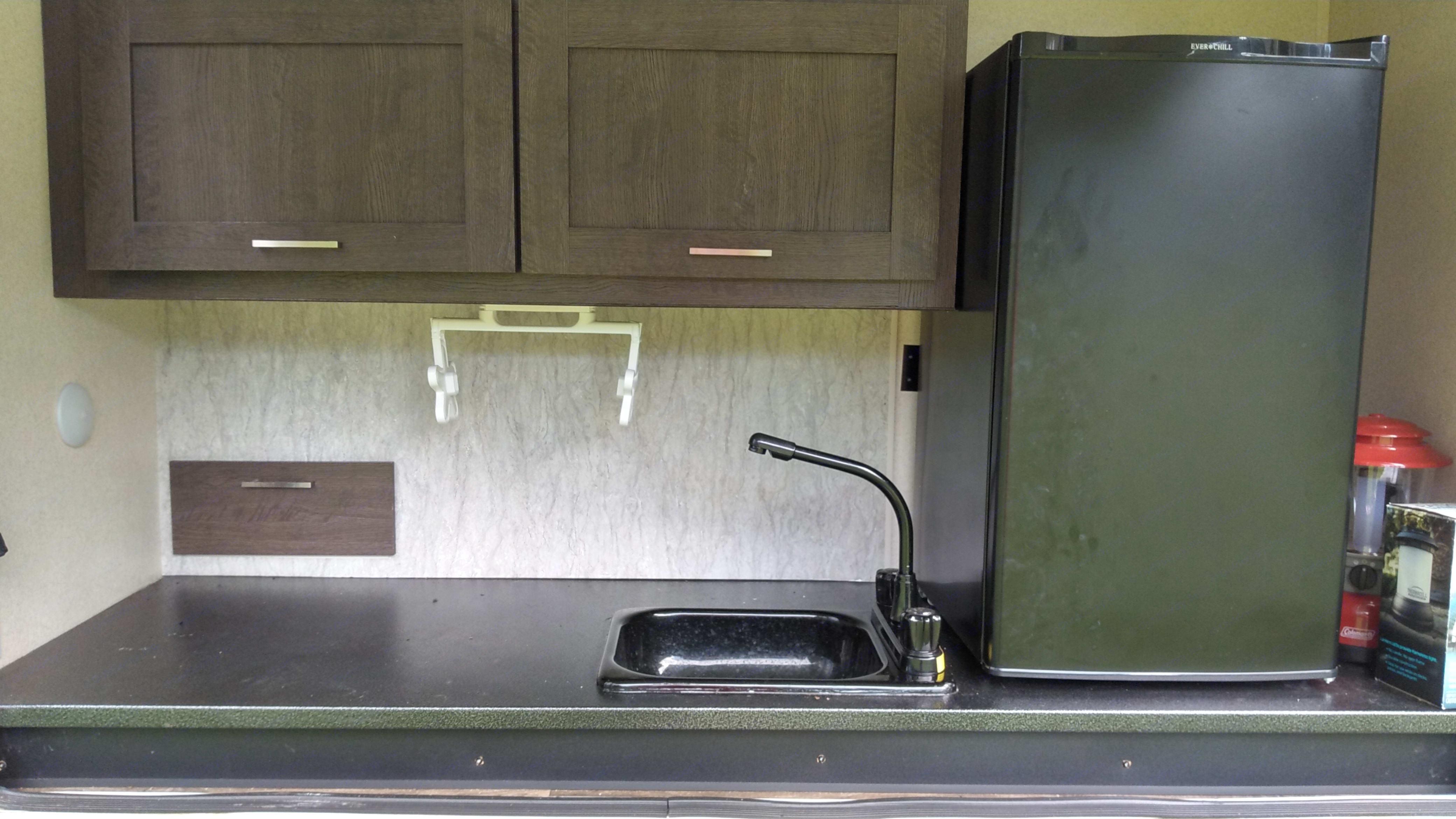 outdoor kitchen. Forest River Wildwood 2019
