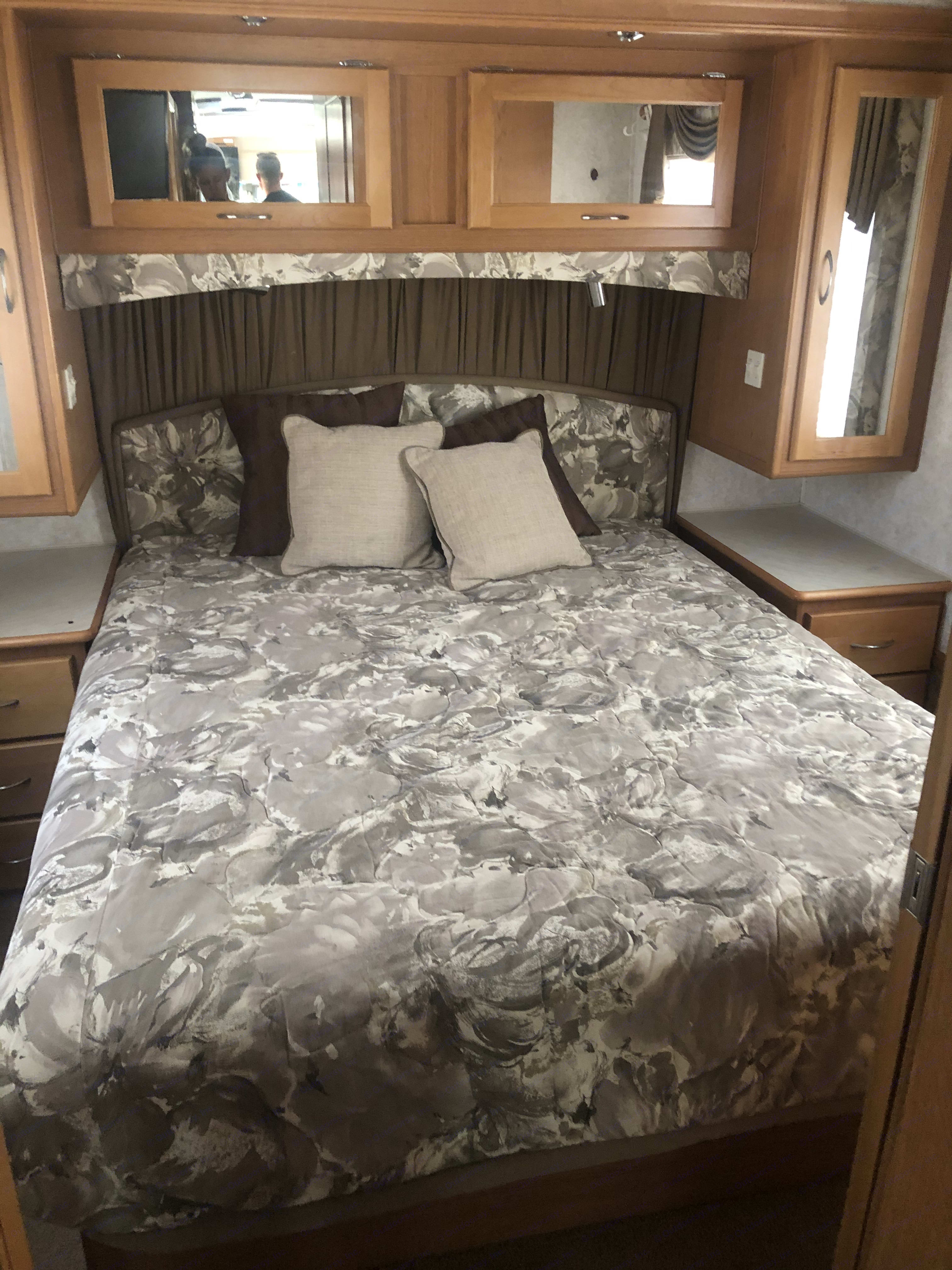Master Bed - Queen size. Fleetwood Southwind 2000