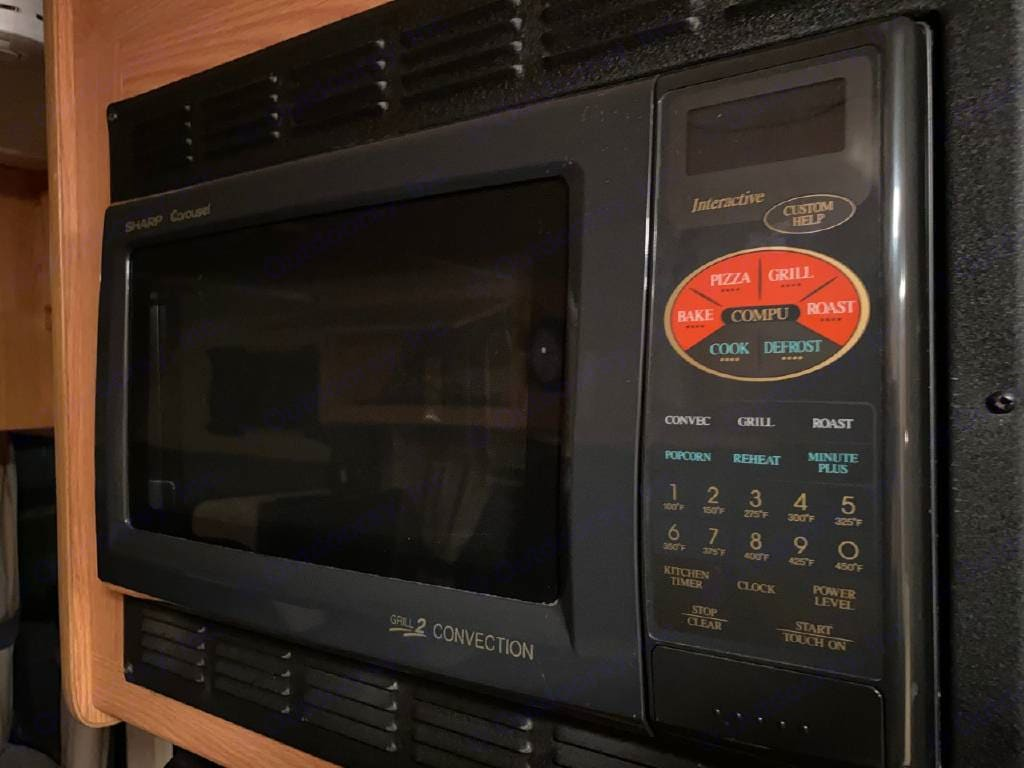 Convection microwave. Thor Motor Coach Four Winds Majestic 2009