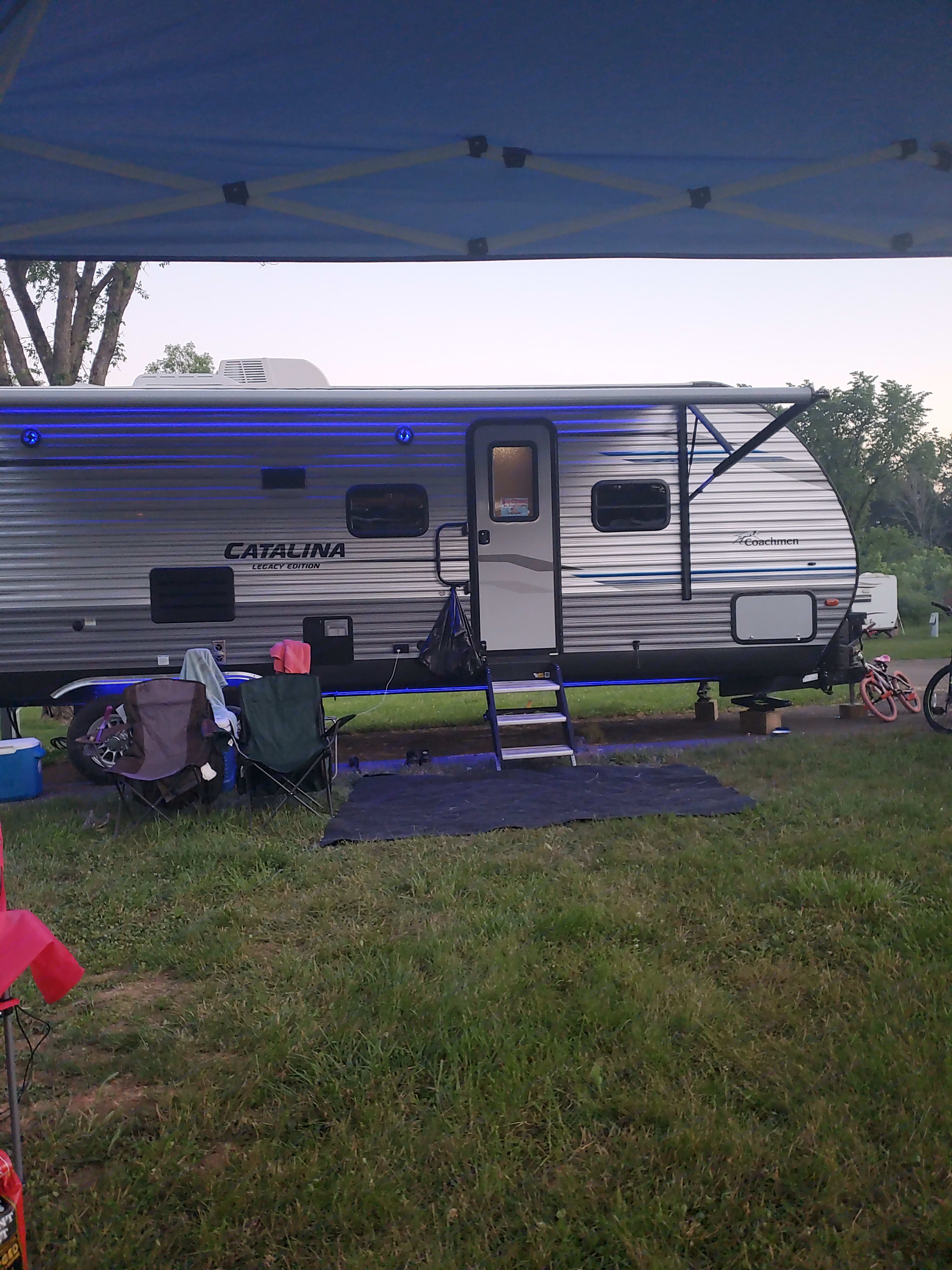 chairs and outdoor carpet included. Coachman Catalina 2020