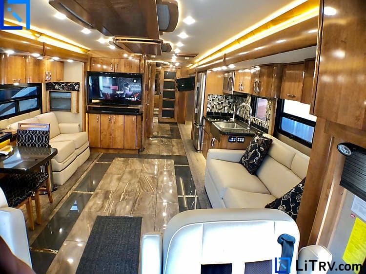 American Coach Eagle 45M 2017