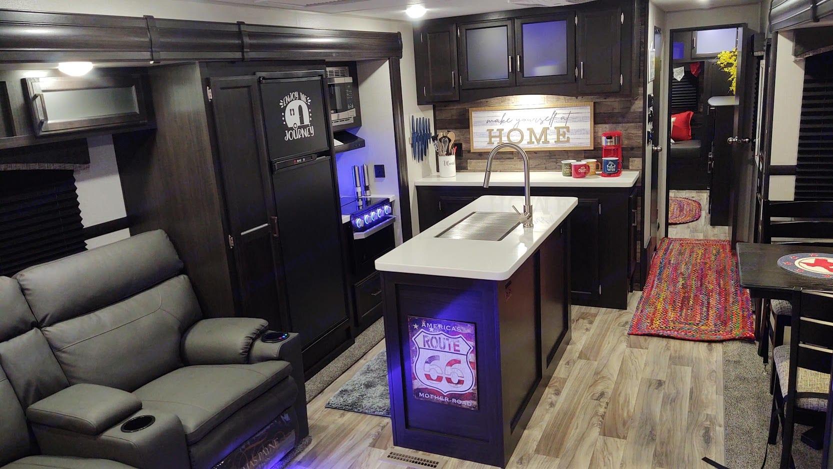 Kitchen View to Hallway. Venture Rv Sporttrek 2020
