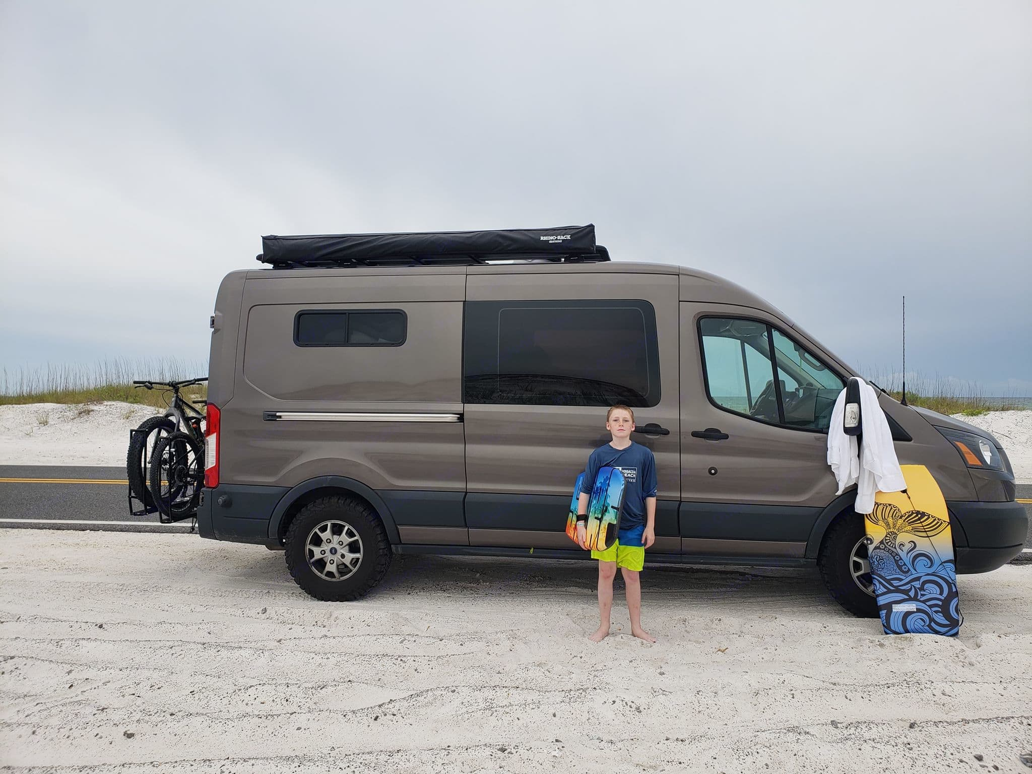 "Ford Transit ""Rover Van"" Explorer 2015"