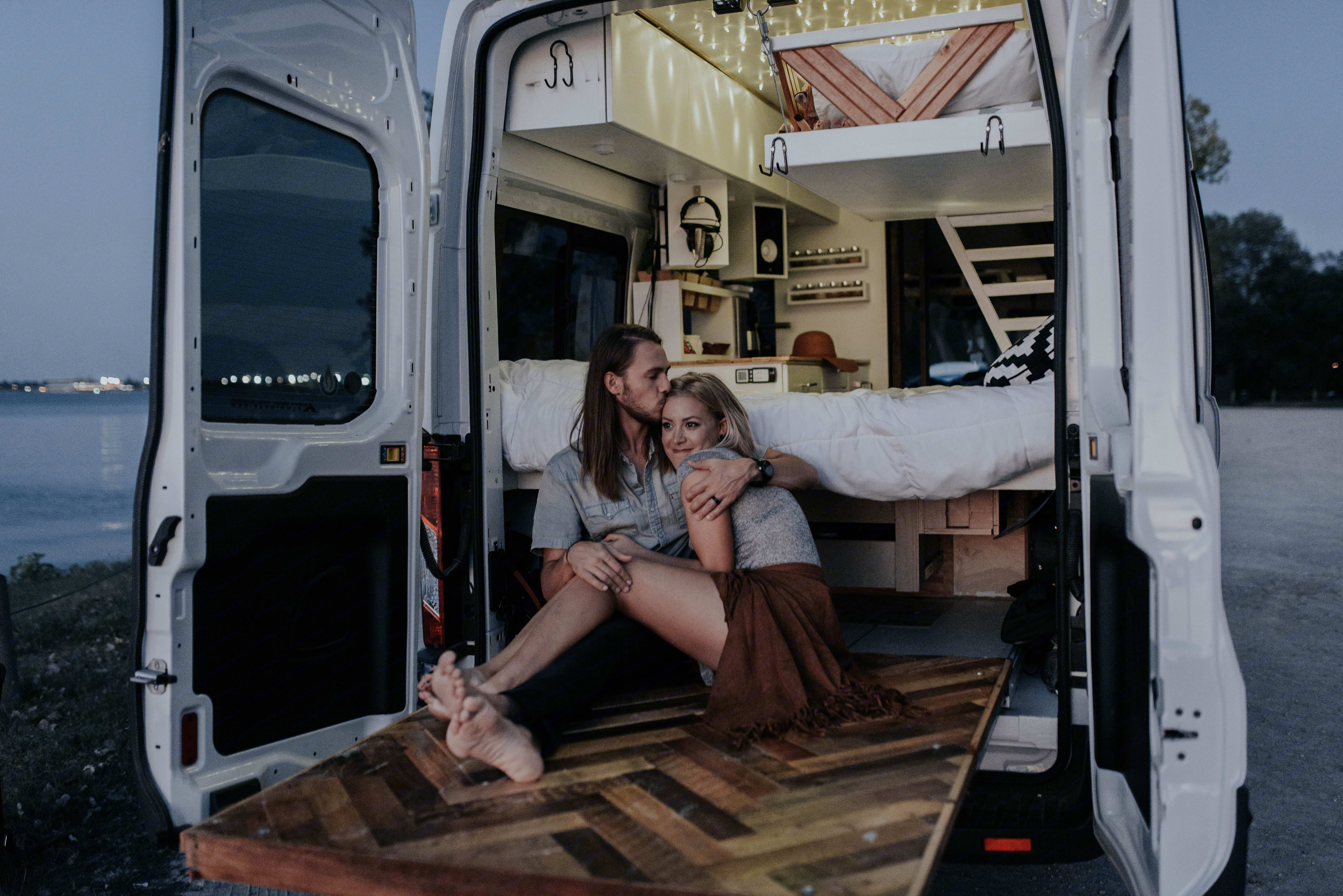 Pull-out deck. Ford TransitCustom 2016