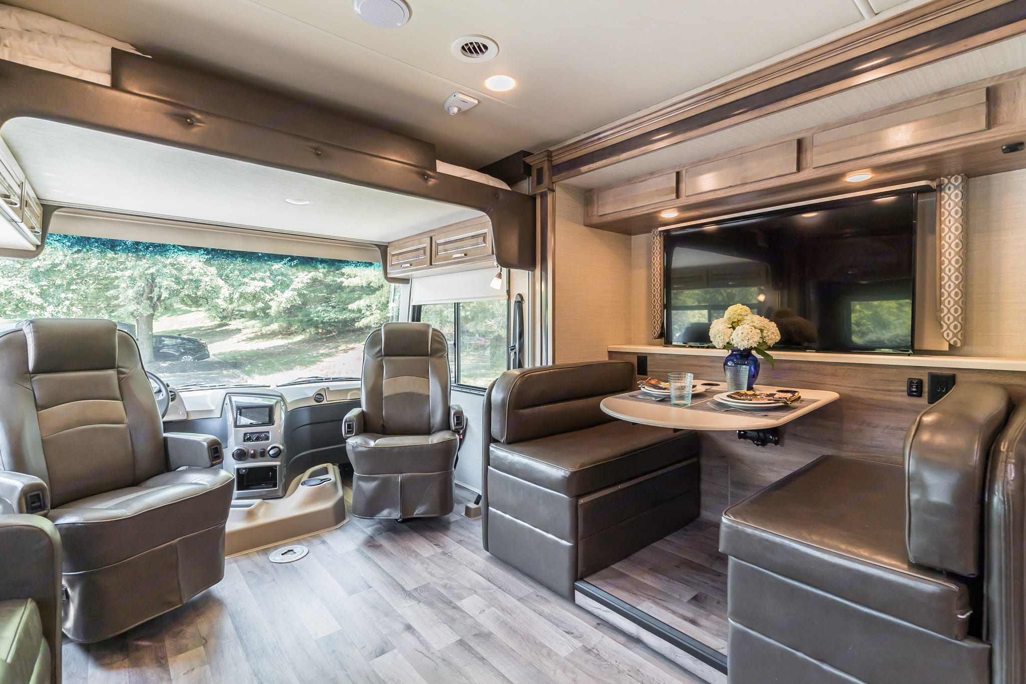 "50"" smart TV - dinette folds into bed, and bunk will sleep 2 and hold upto 750 pounds. Jayco Precept 2019"