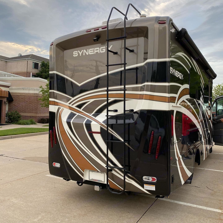 Thor Motor Coach Synergy 2018