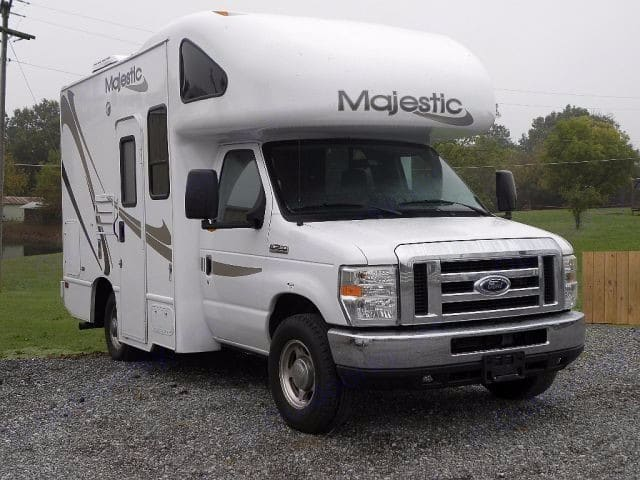 Ford Majestic 2012