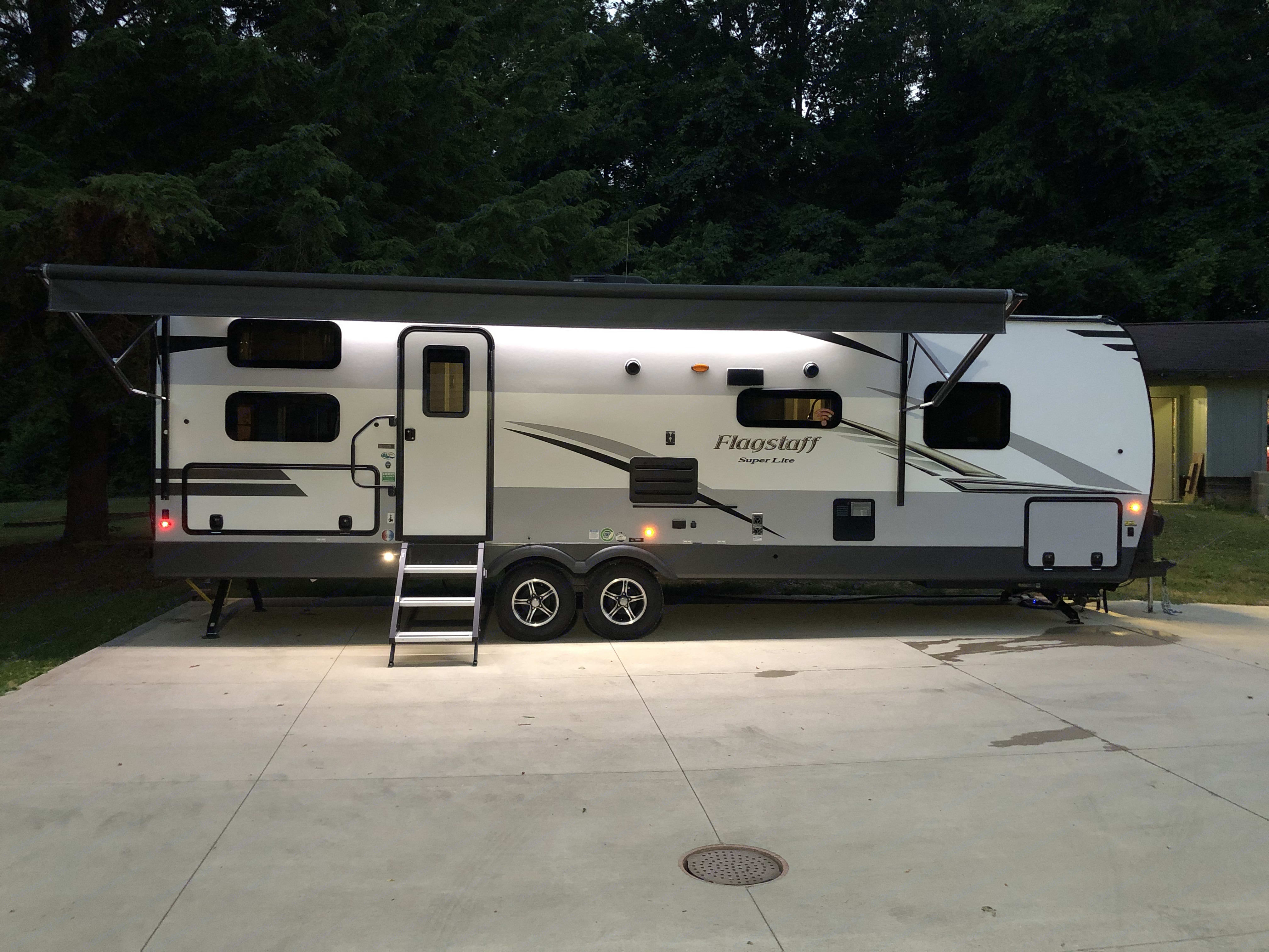 21ft Awning. Forest River Flagstaff Super Lite 2020