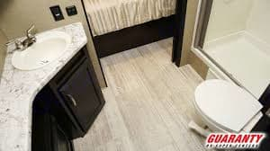 Large bathroom space. Granddesign Imagine2500RL 2018