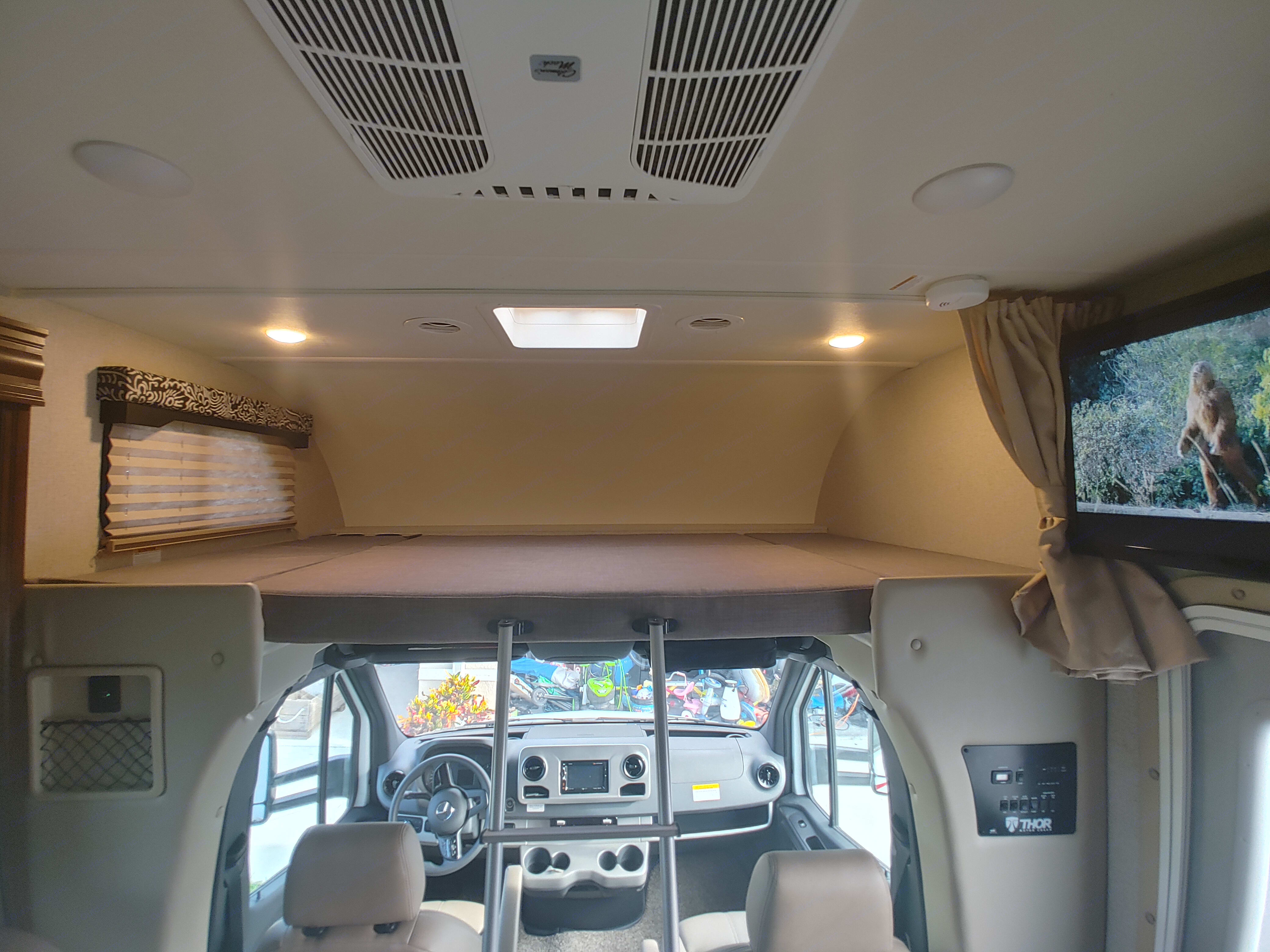 Overhead Bunk.. Thor Motor Coach Freedom Elite 2020