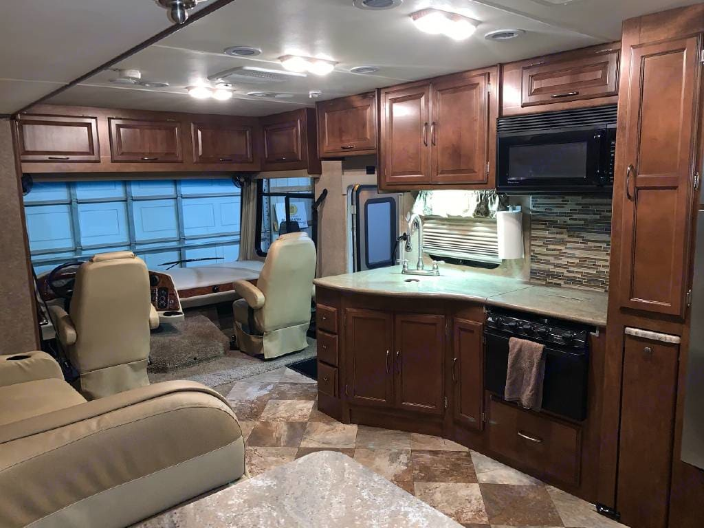 Galley and drivers compartment. Coachmen Mirada A-Class 2015