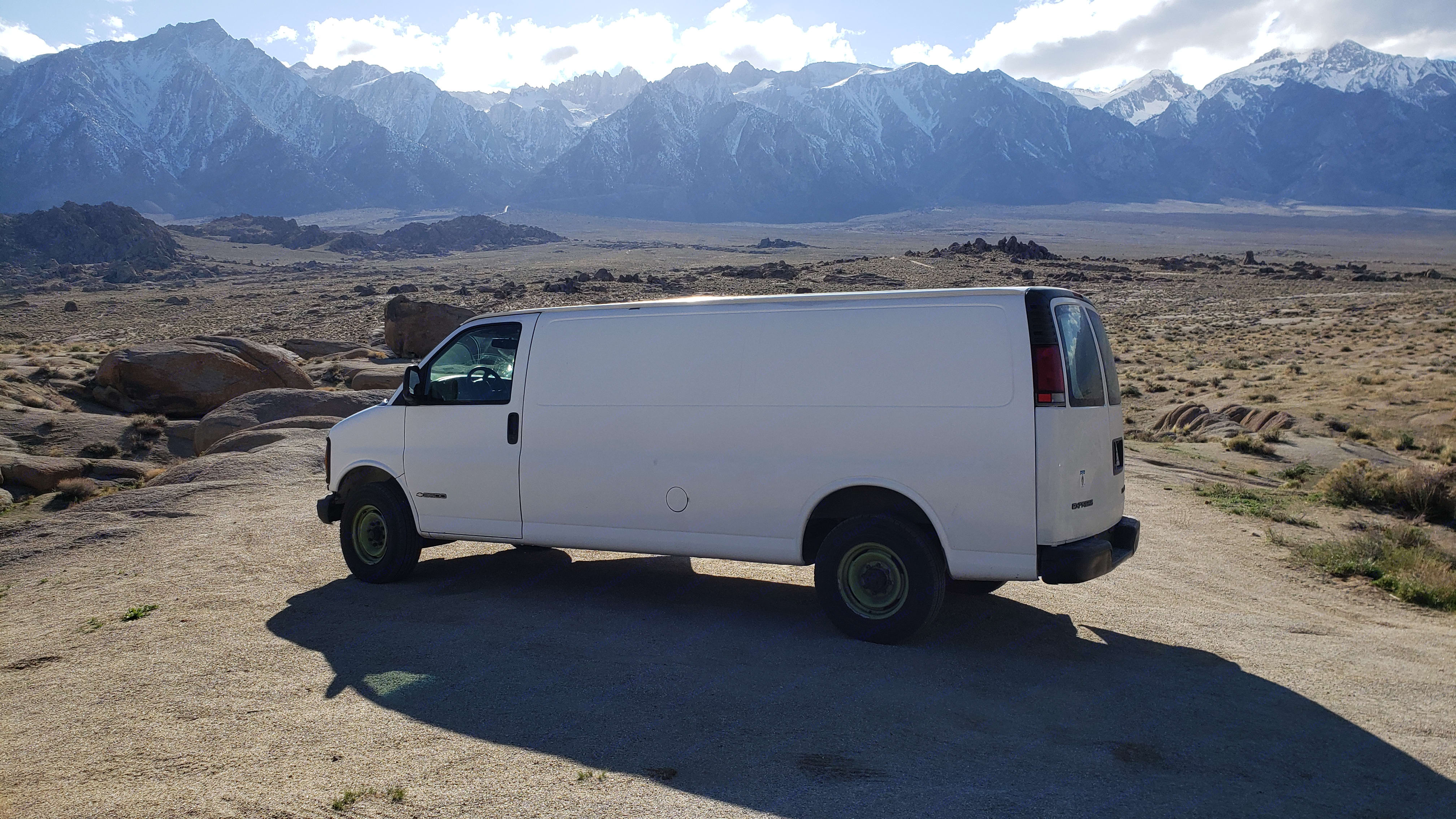 Campervan Extended Chevy Express 3500. Chevrolet Express 3500 2000